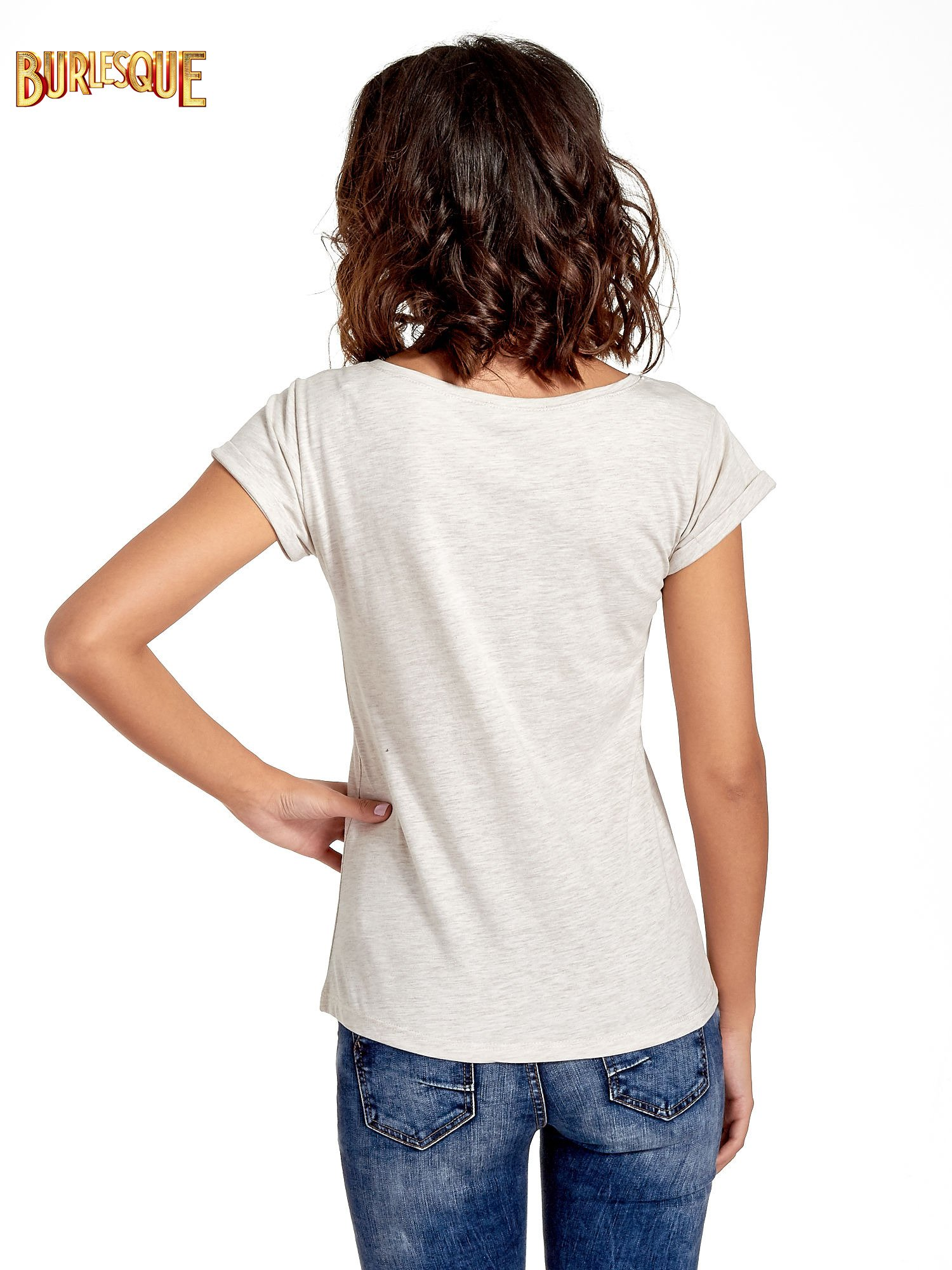 Beżowy t-shirt z nadrukiem troskliwych misiów                                  zdj.                                  4