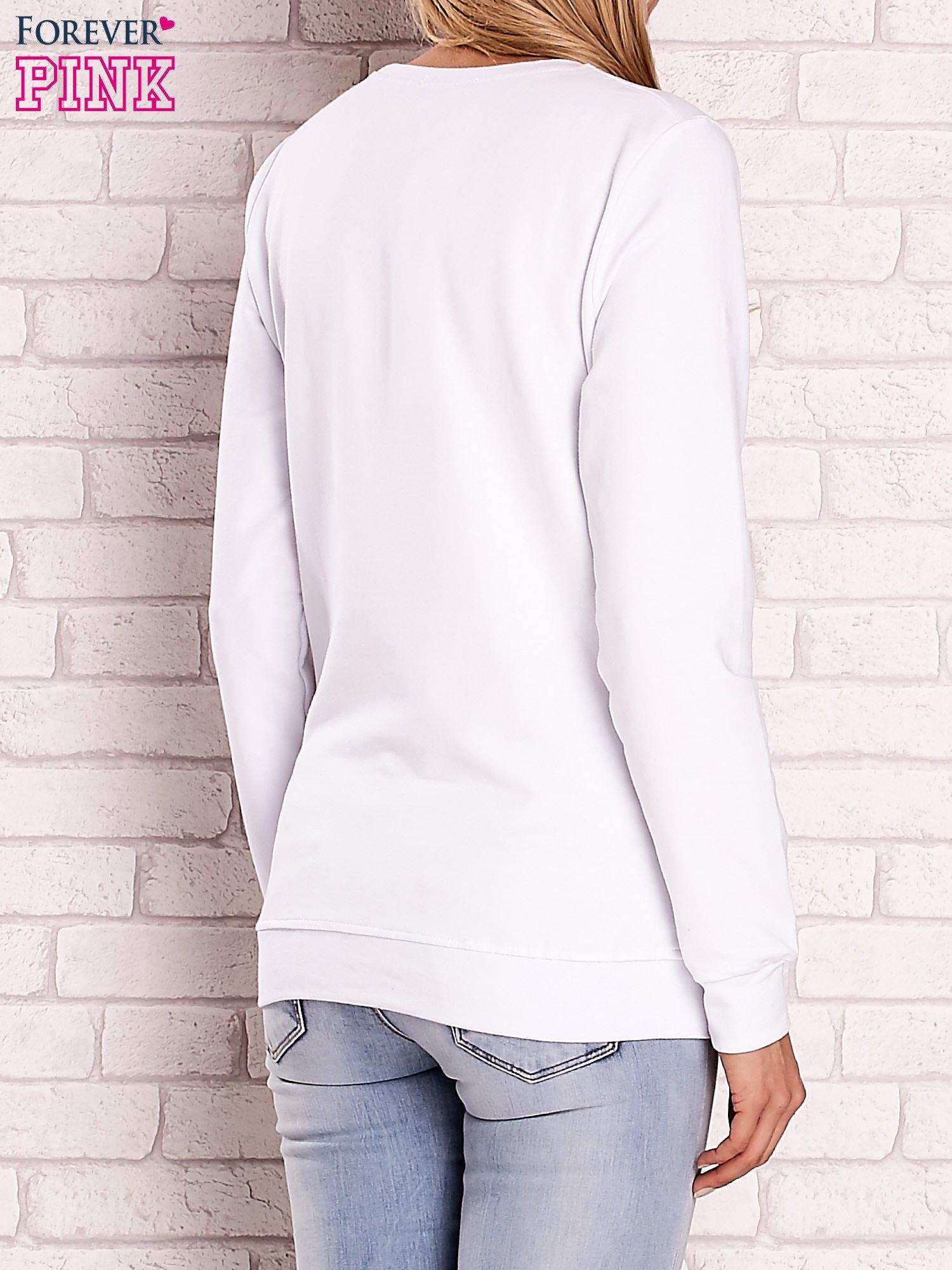 Biała bluza z motywem paryskim                                  zdj.                                  2