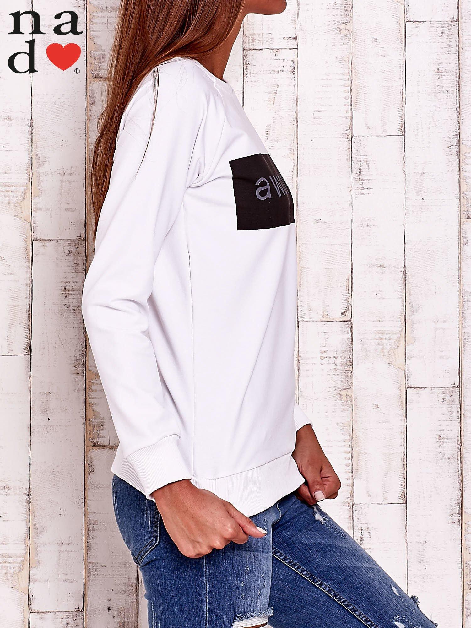 Biała bluza z napisem AWESOME                                  zdj.                                  3