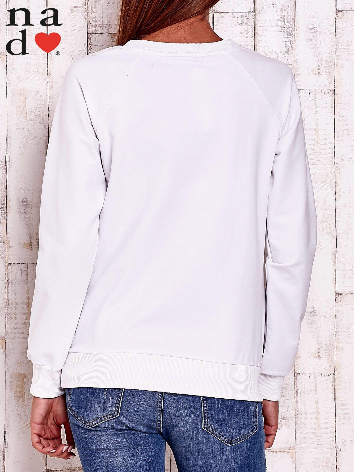 Biała bluza z napisem BAD GIRL                                  zdj.                                  4