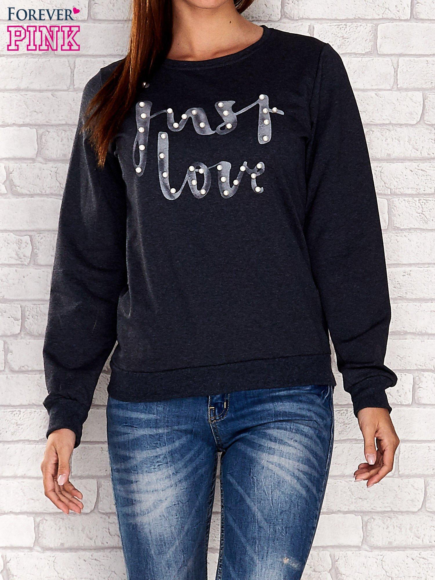 Biała bluza z napisem JUST LOVE i perełkami                                  zdj.                                  1