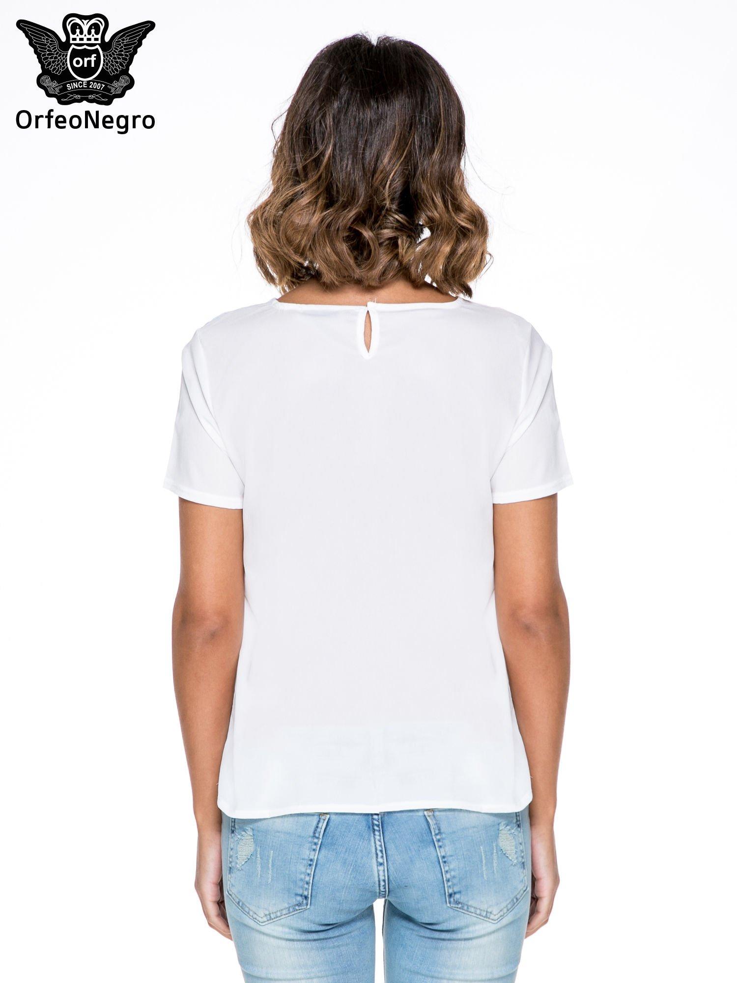 Biała bluzka koszulowa z geometrycznym wzorem                                  zdj.                                  5