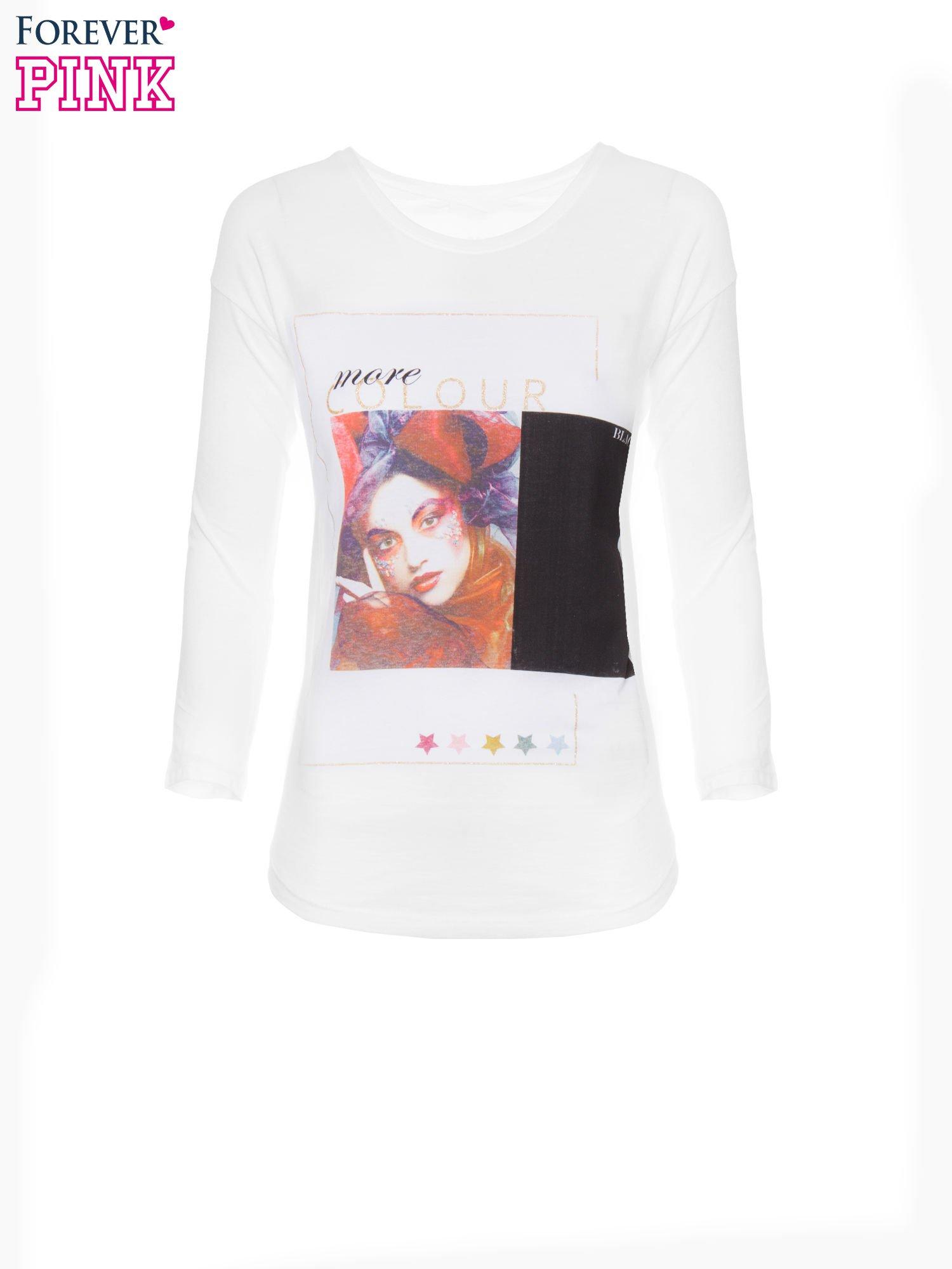 Biała bluzka z nadrukiem fashion i napisem MORE COLOUR                                  zdj.                                  5
