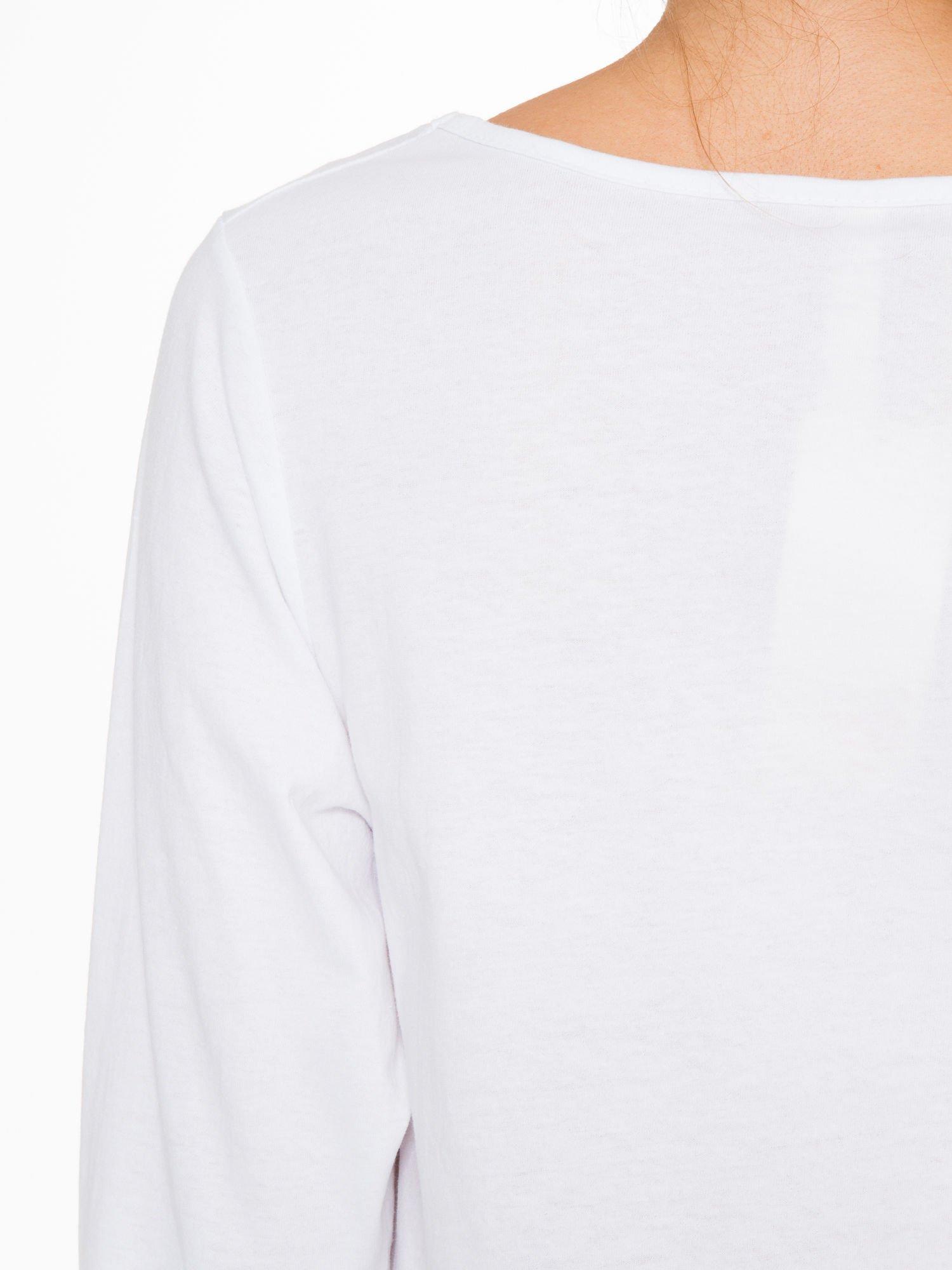 Biała bluzka z nadrukiem kotka i napisem JUST WANNA HAVE FUN?                                  zdj.                                  9
