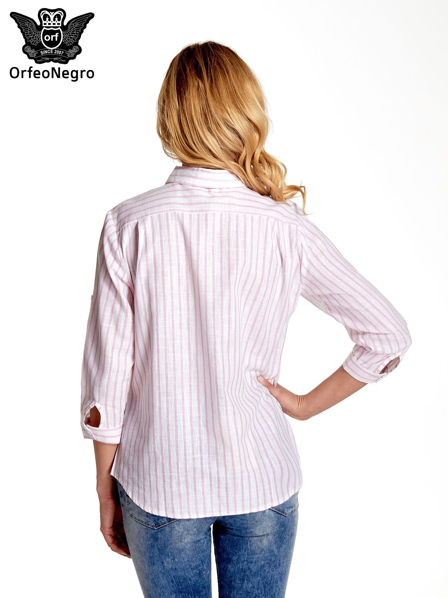 Biała koszula w jasnoróżowe prążki z aplikacją na kołnierzyku                                  zdj.                                  2