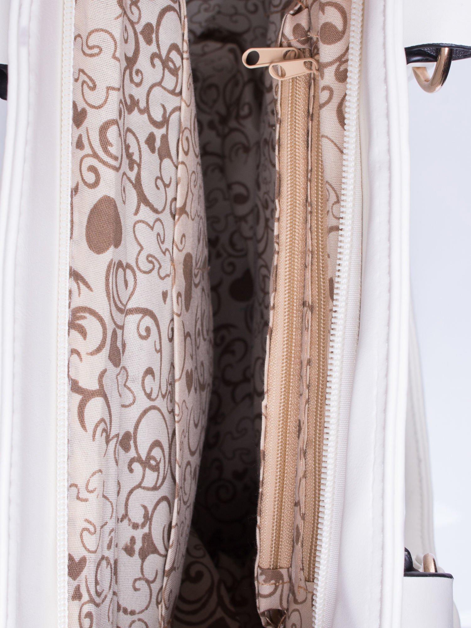 Biała pikowana torba na ramię                                  zdj.                                  5