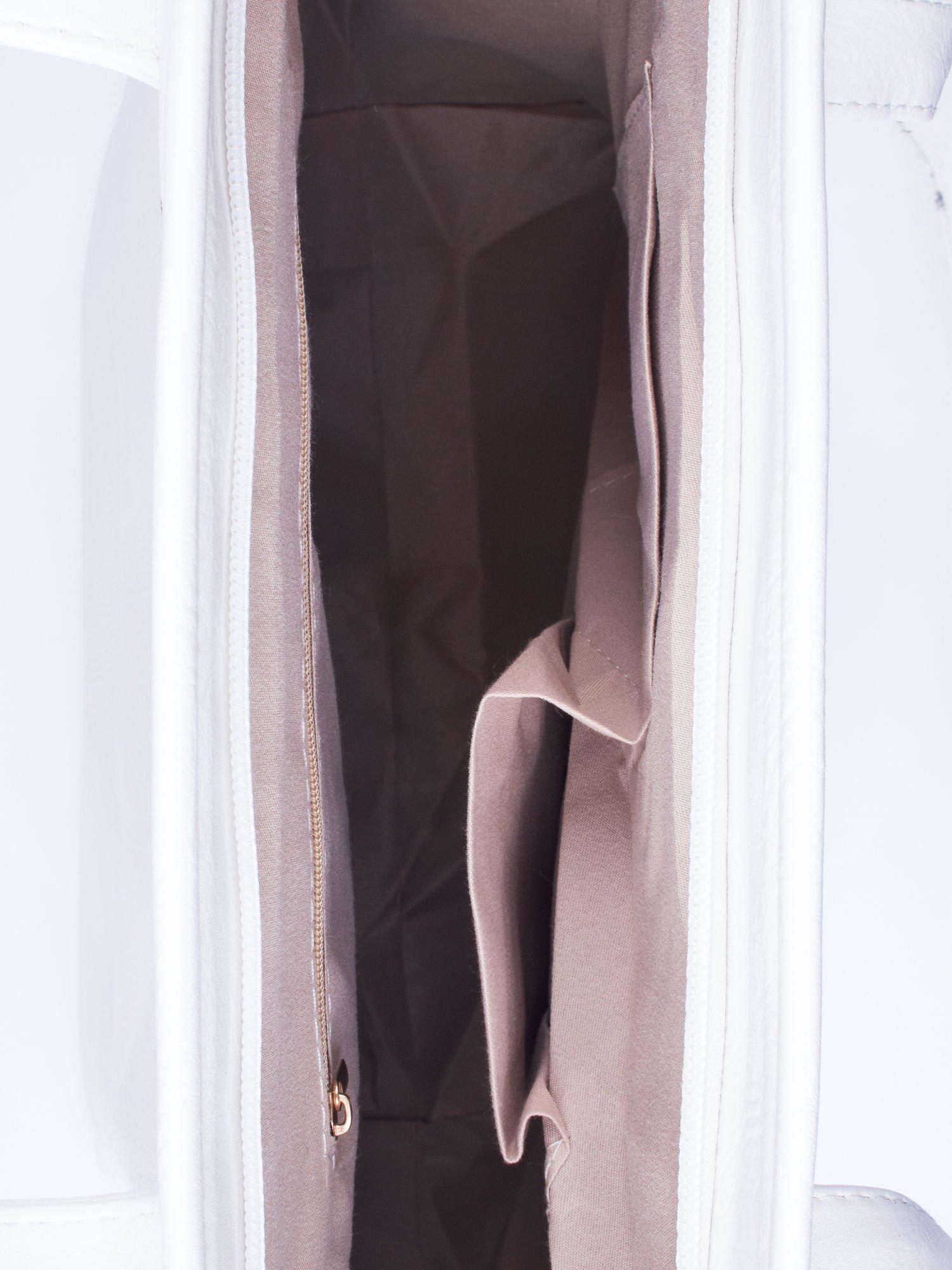 Biała prosta torba shopper bag ze złotymi okuciami                                  zdj.                                  4