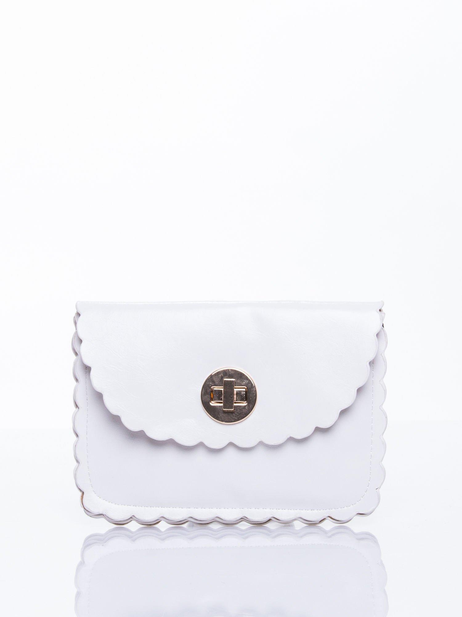 Biała torebka listonoszka z falowanym wykończeniem                                  zdj.                                  1