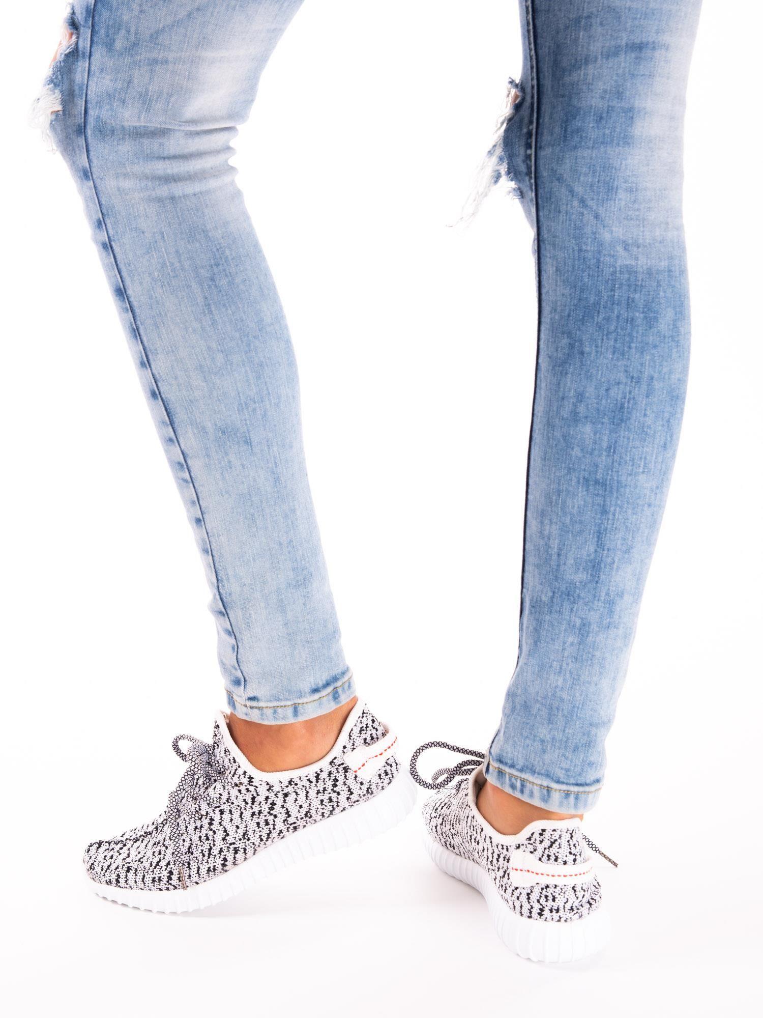 378b4297 6; Białe marmurkowe buty sportowe pattern z tkaniny z uchwytem z tyłu ...
