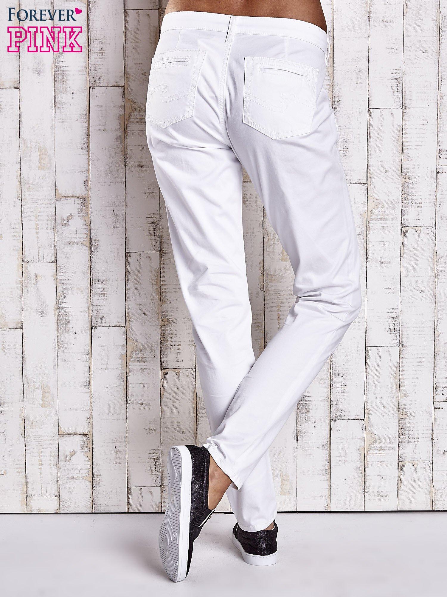Białe proste spodnie z napami                                  zdj.                                  2