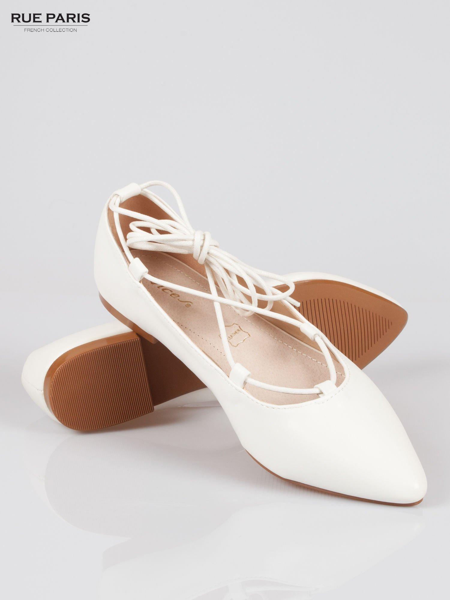 Białe wiązane baleriny leather Kylie lace up                                  zdj.                                  4