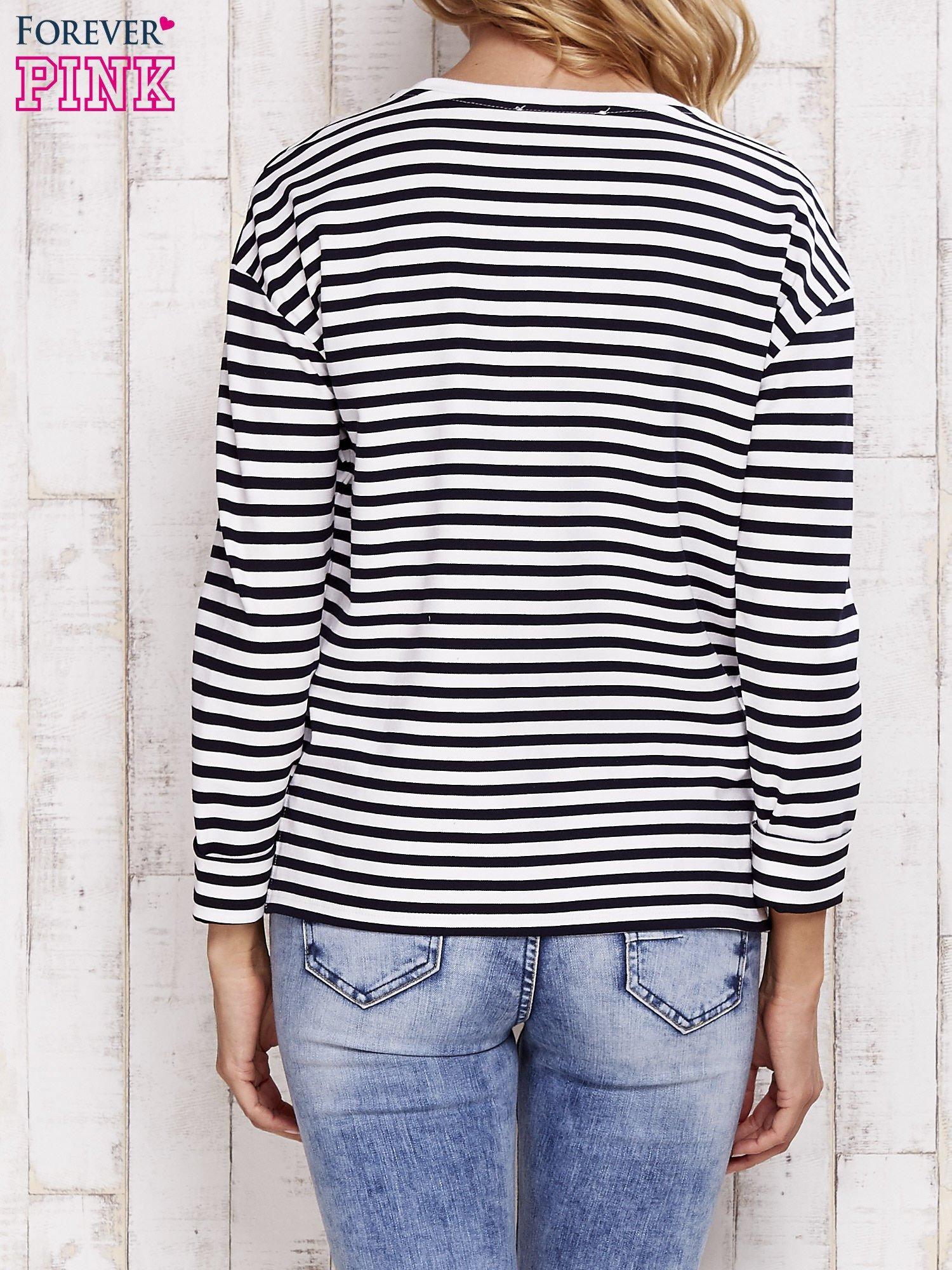 Biało-czarna bluzka w paski