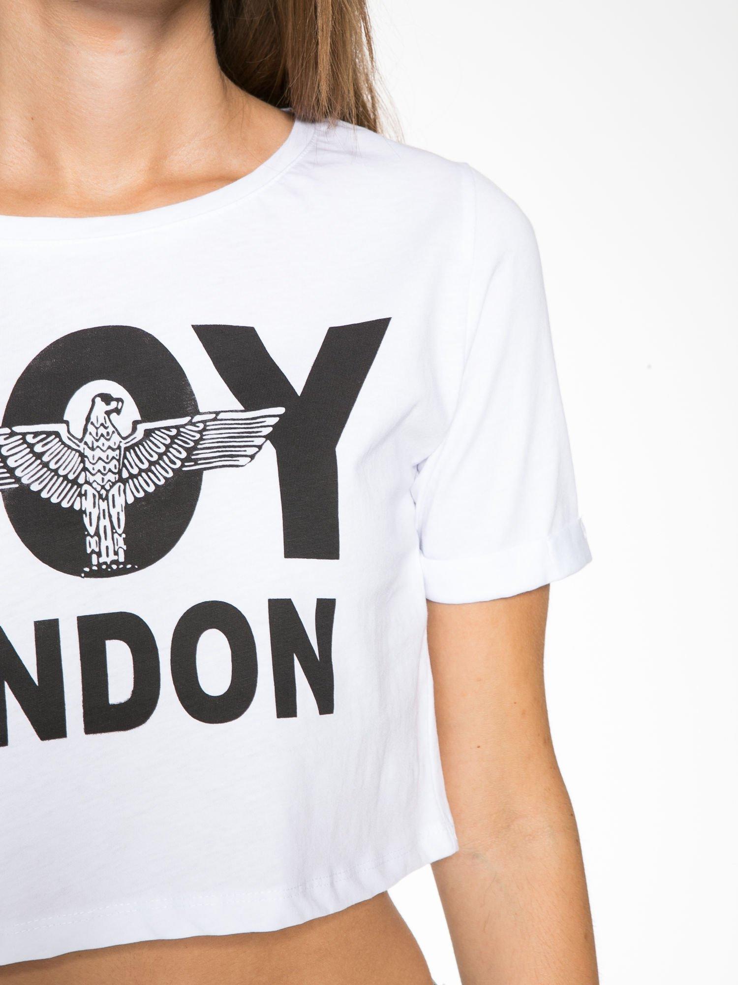 Biały cropped t-shirt z napisem BOY LONDON                                  zdj.                                  8