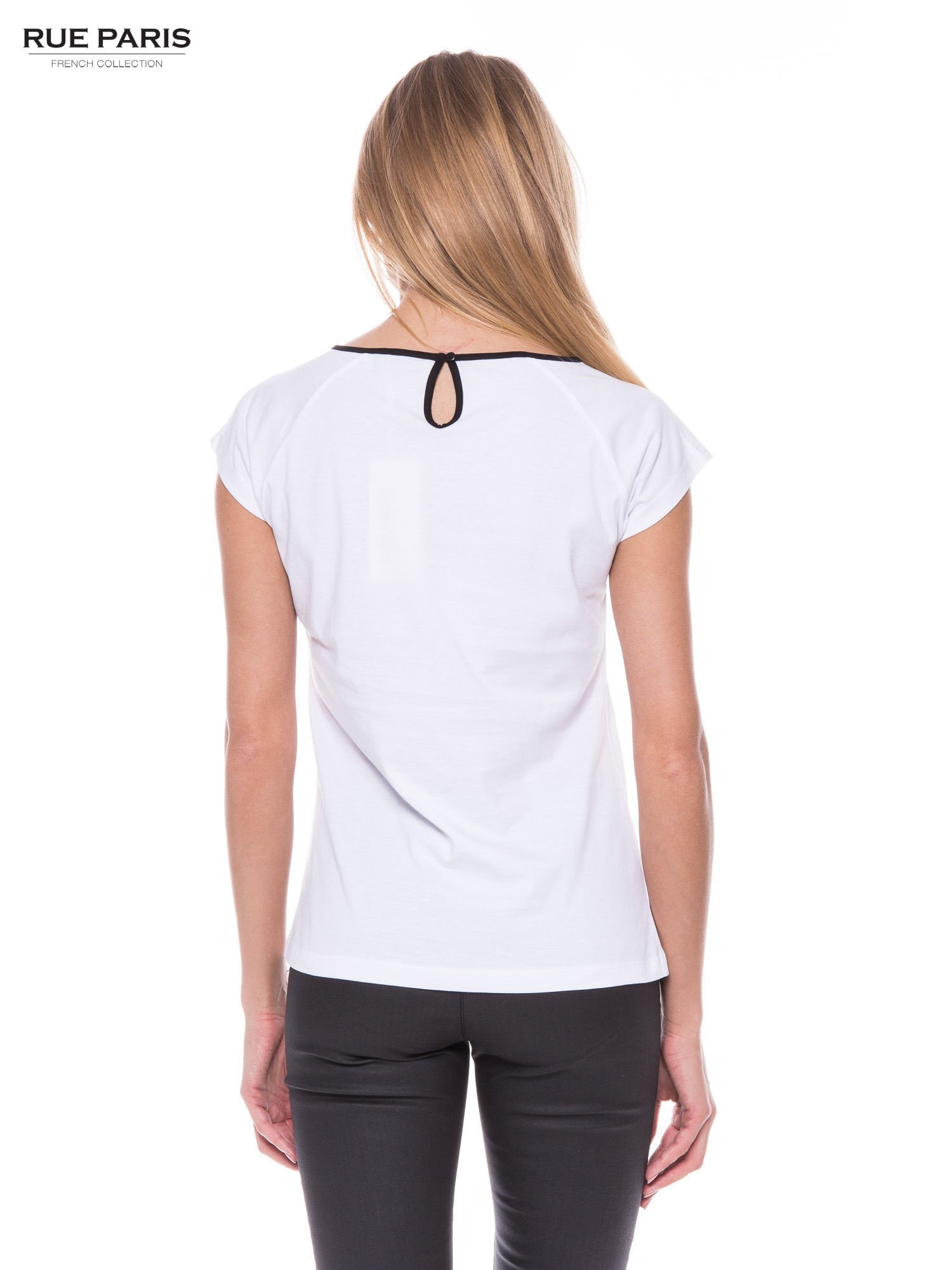 Biały elegancki t-shirt z koronkową aplikacją                                  zdj.                                  3
