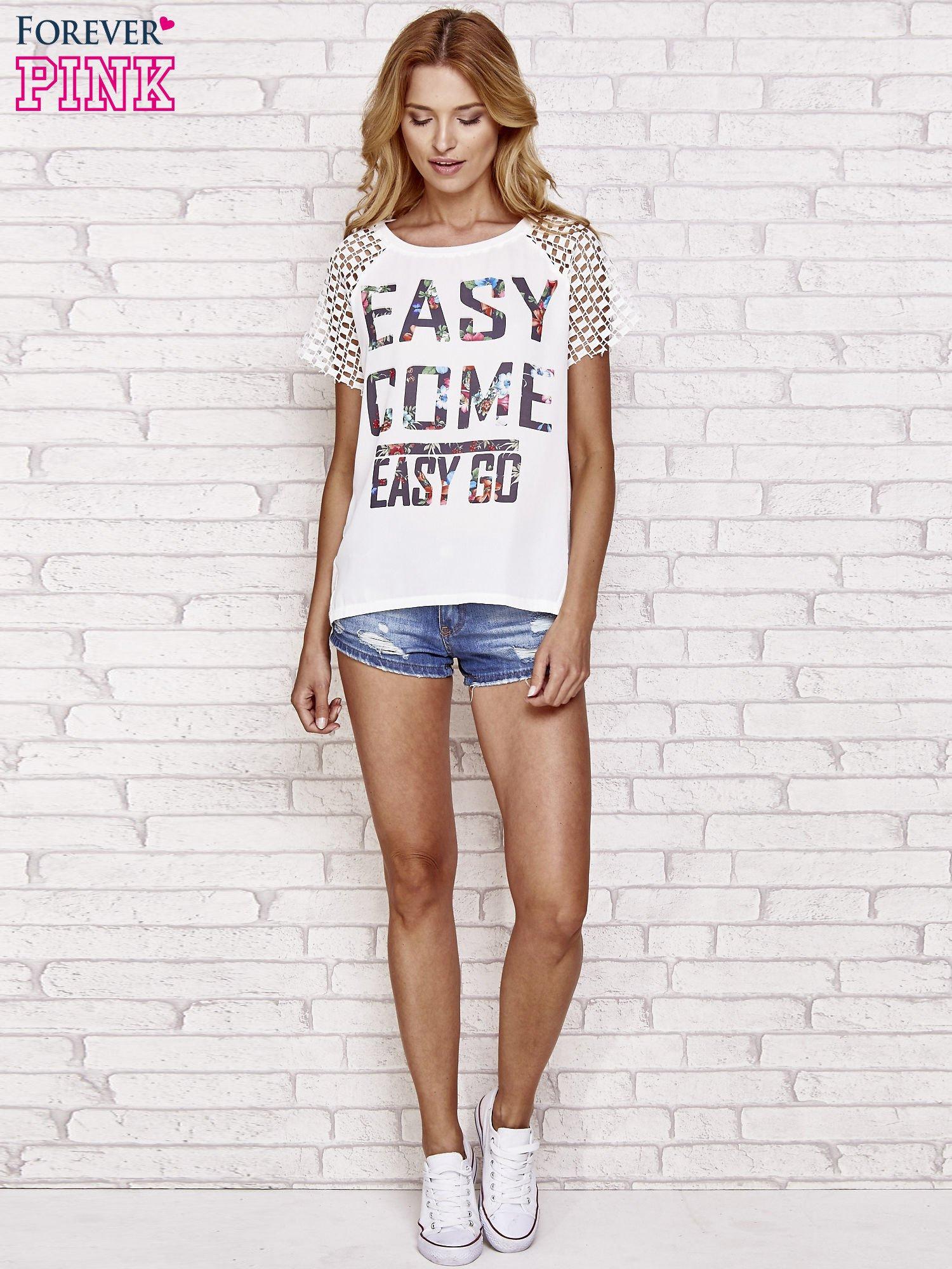 Biały t-shirt EASY COME EASY GO z ażurowymi rękawami                                  zdj.                                  2