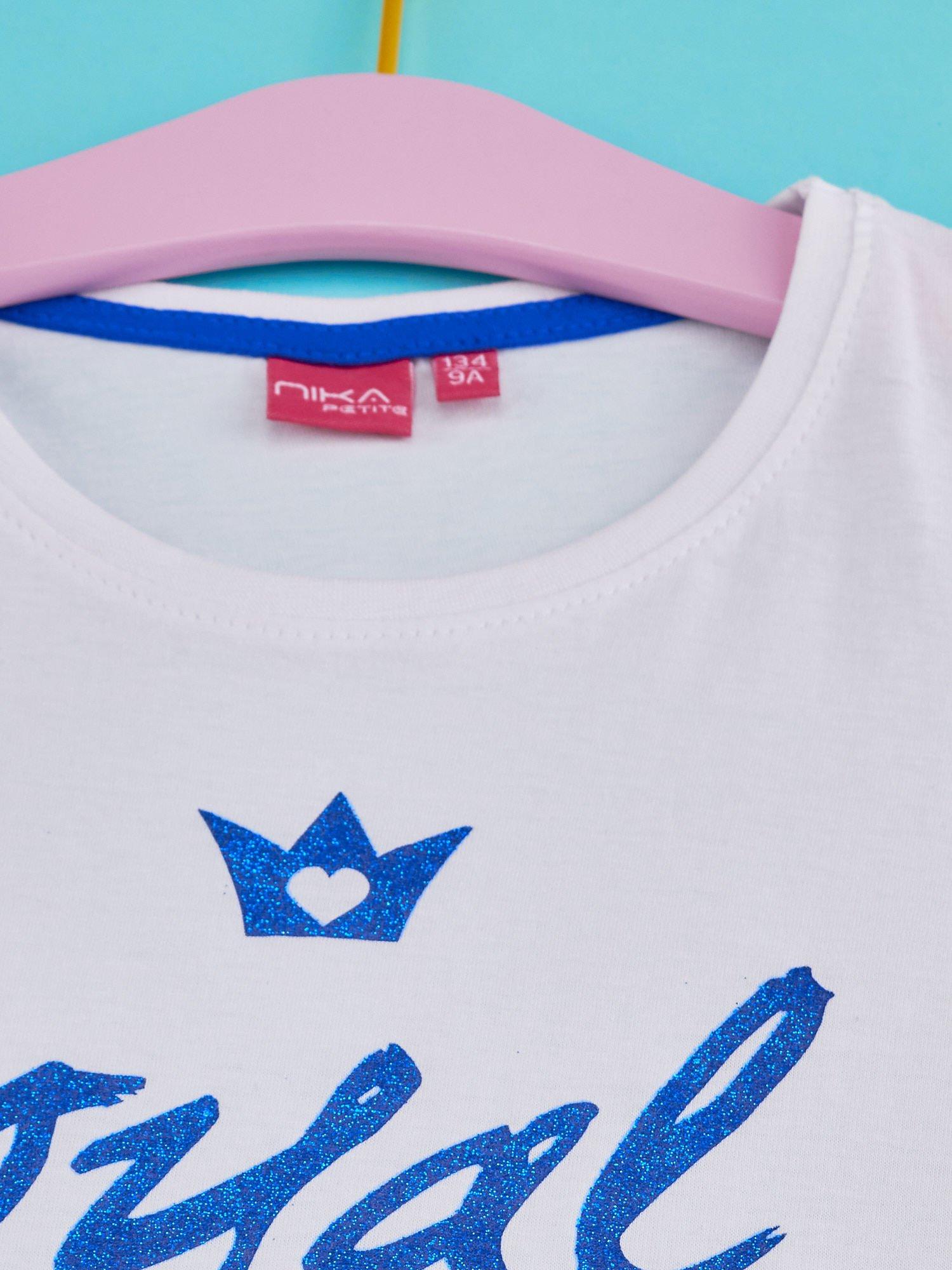 Biały t-shirt dla dziewczynki z napisem ROYAL BLUE                                  zdj.                                  4