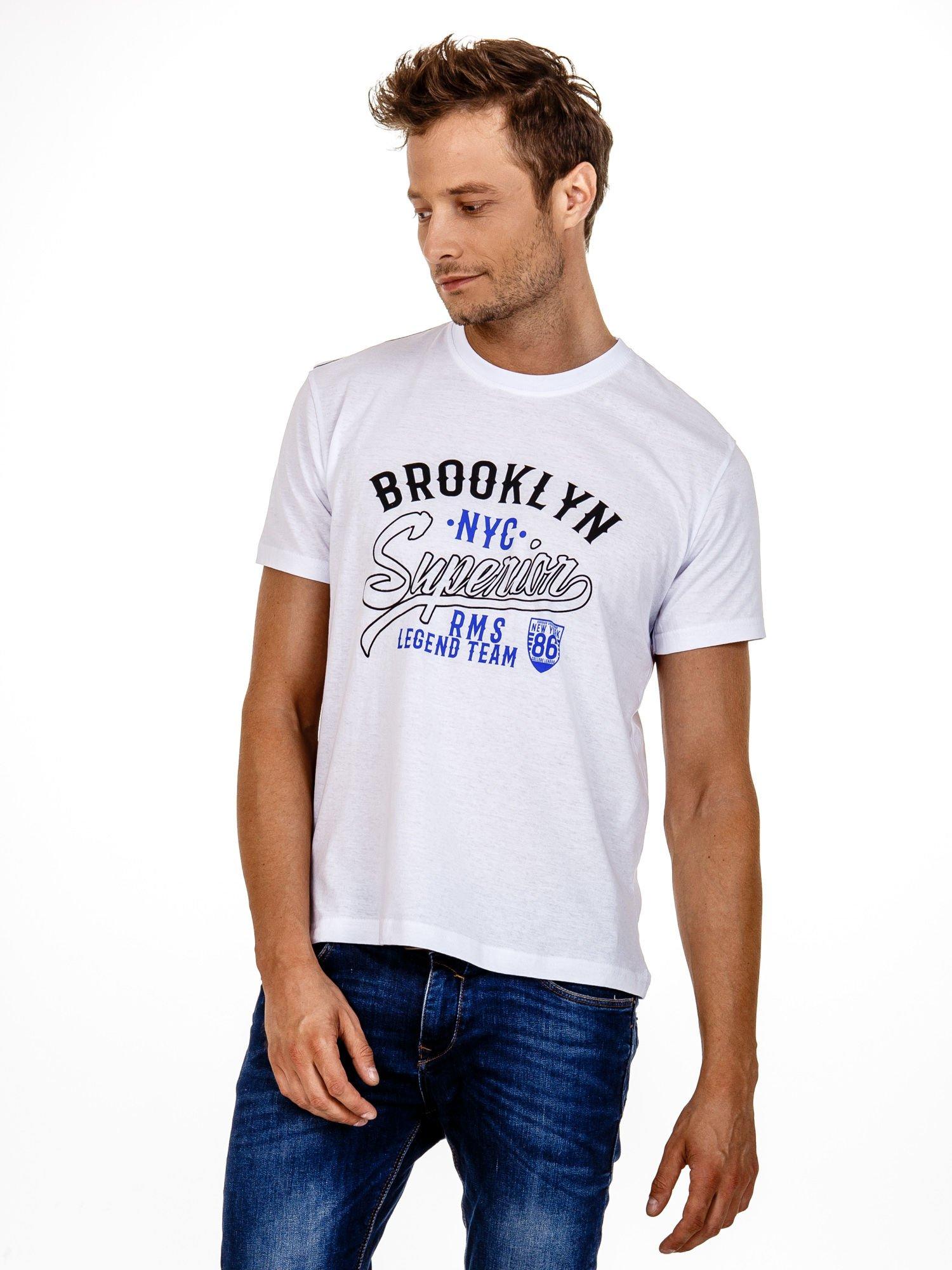 Biały t-shirt męski z napisem BROOKLYN NYC                                  zdj.                                  2