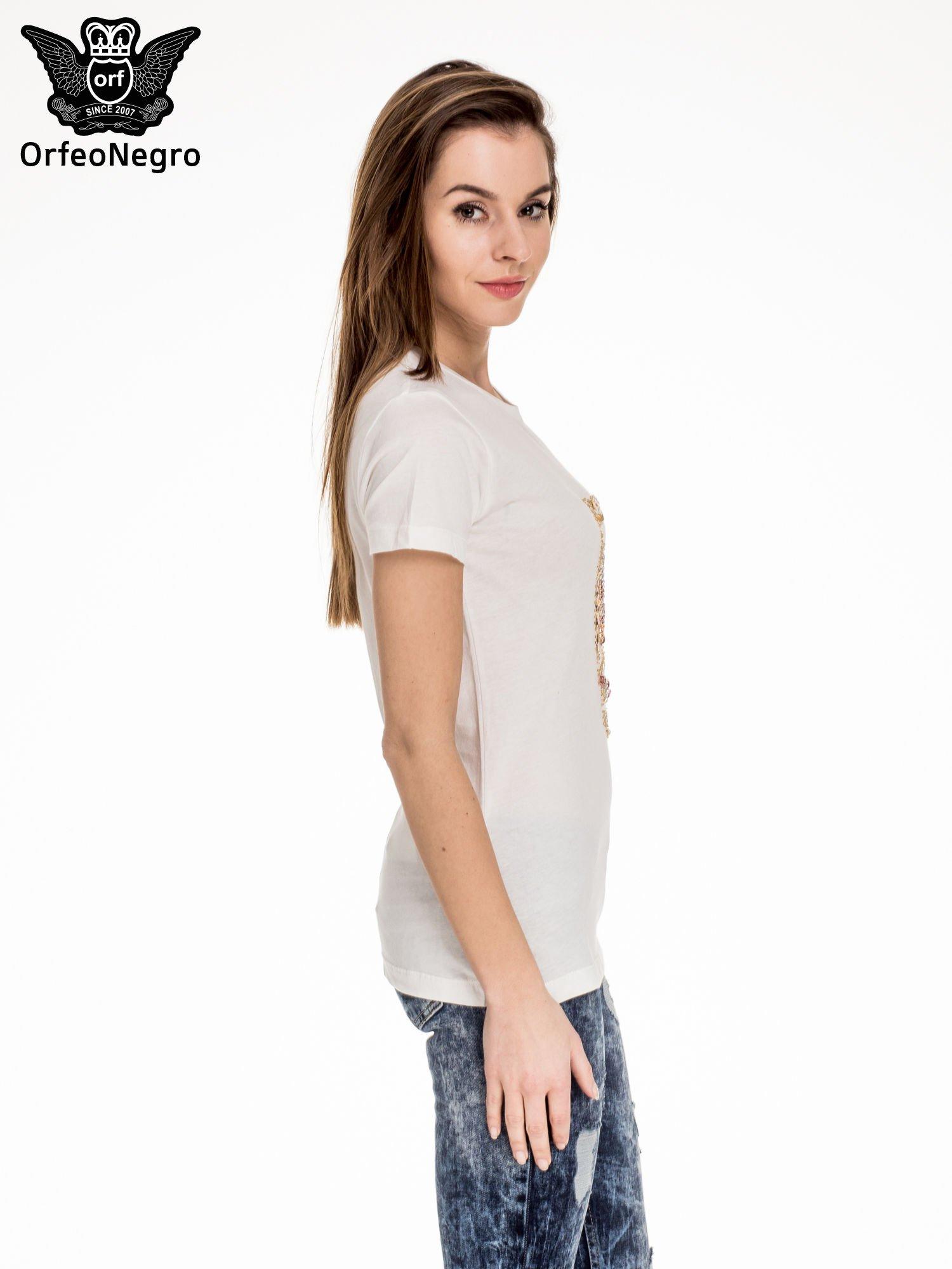 Biały t-shirt z aplikacją czaszki z cekinów                                  zdj.                                  3