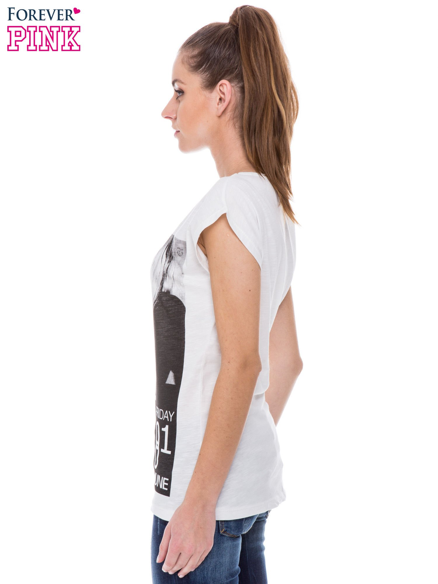 Biały t-shirt z blogerskim nadrukiem                                  zdj.                                  2