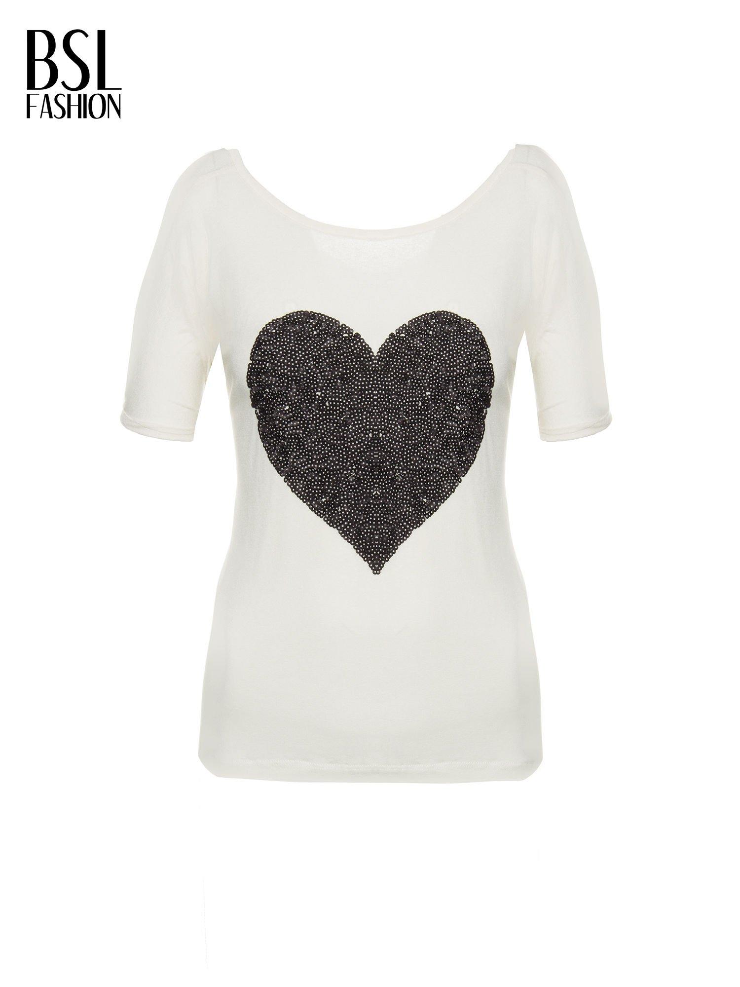 Biały t-shirt z czarnym sercem z cekinów                                  zdj.                                  2