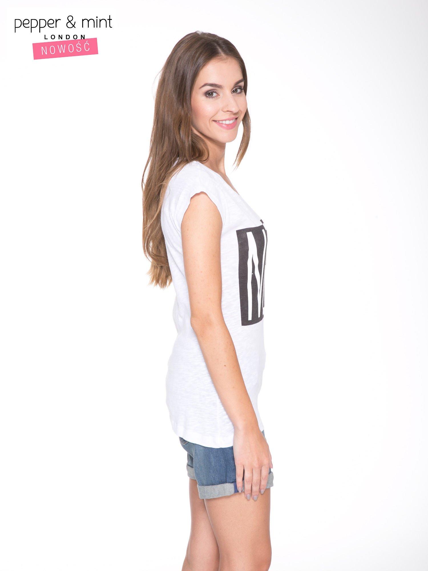 Biały t-shirt z nadrukiem NOPE                                  zdj.                                  3