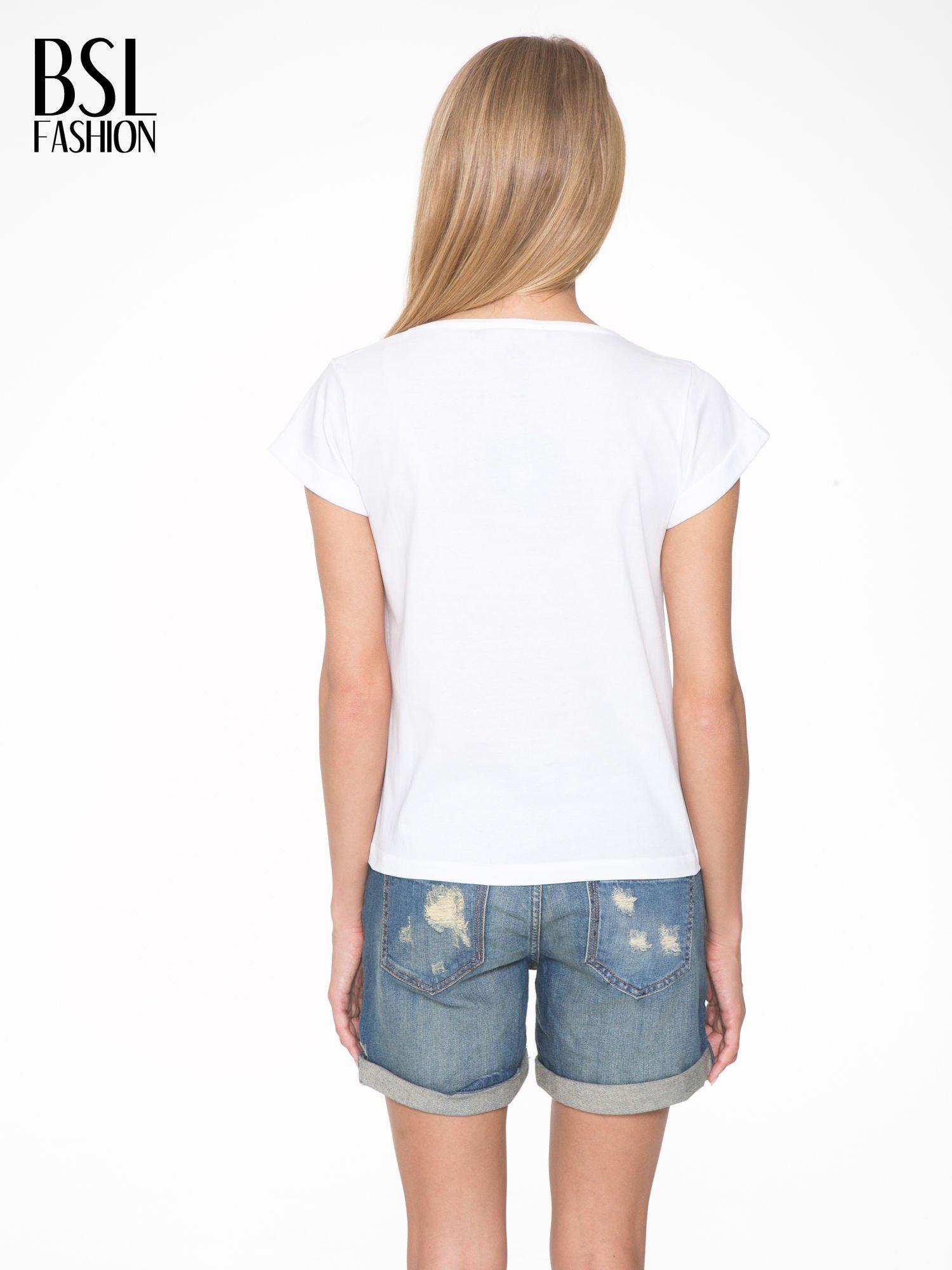 Biały t-shirt z napisem CÉLINE ME ALONE                                  zdj.                                  4