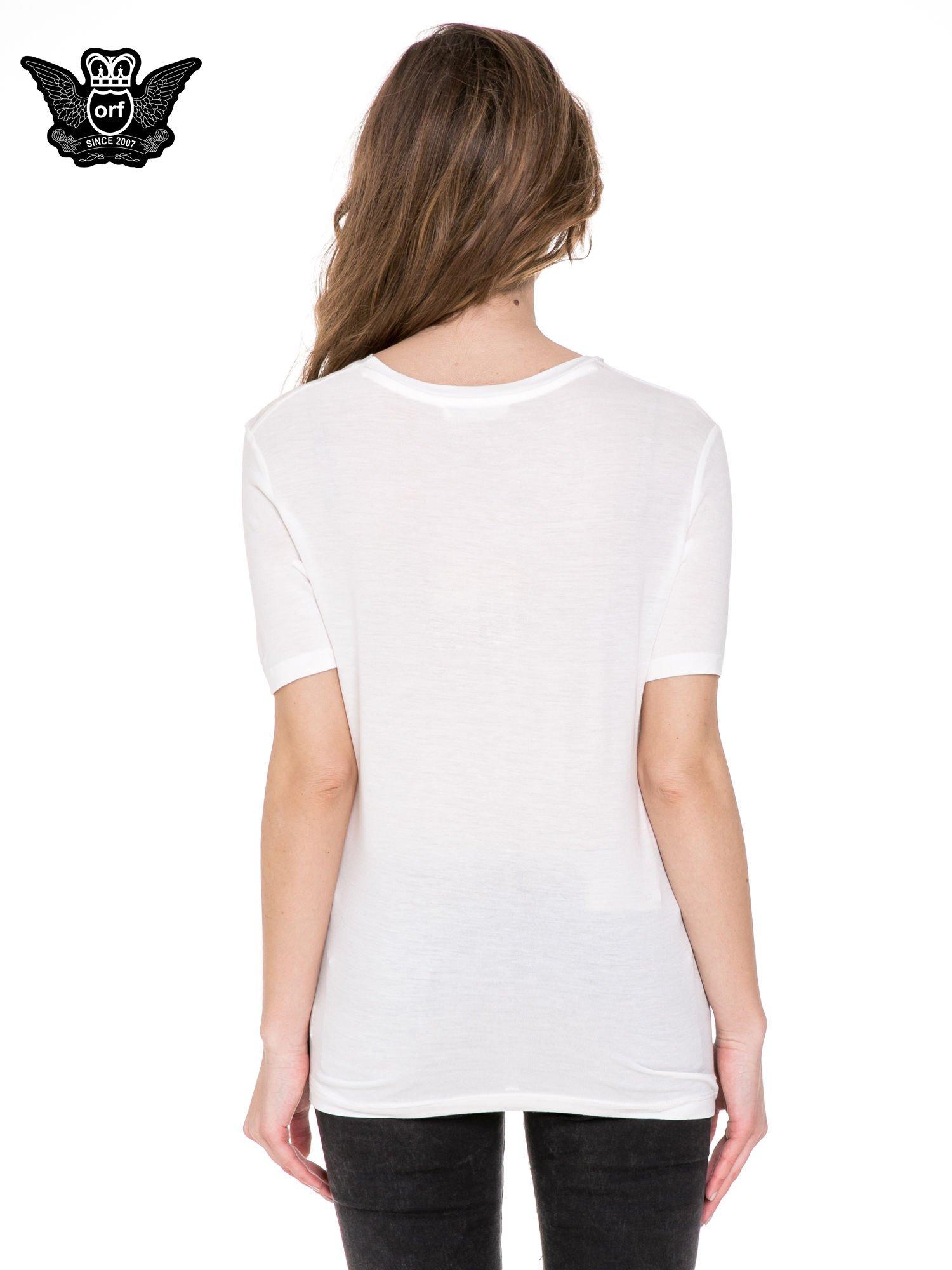 Biały t-shirt z napisem SNOB                                  zdj.                                  4