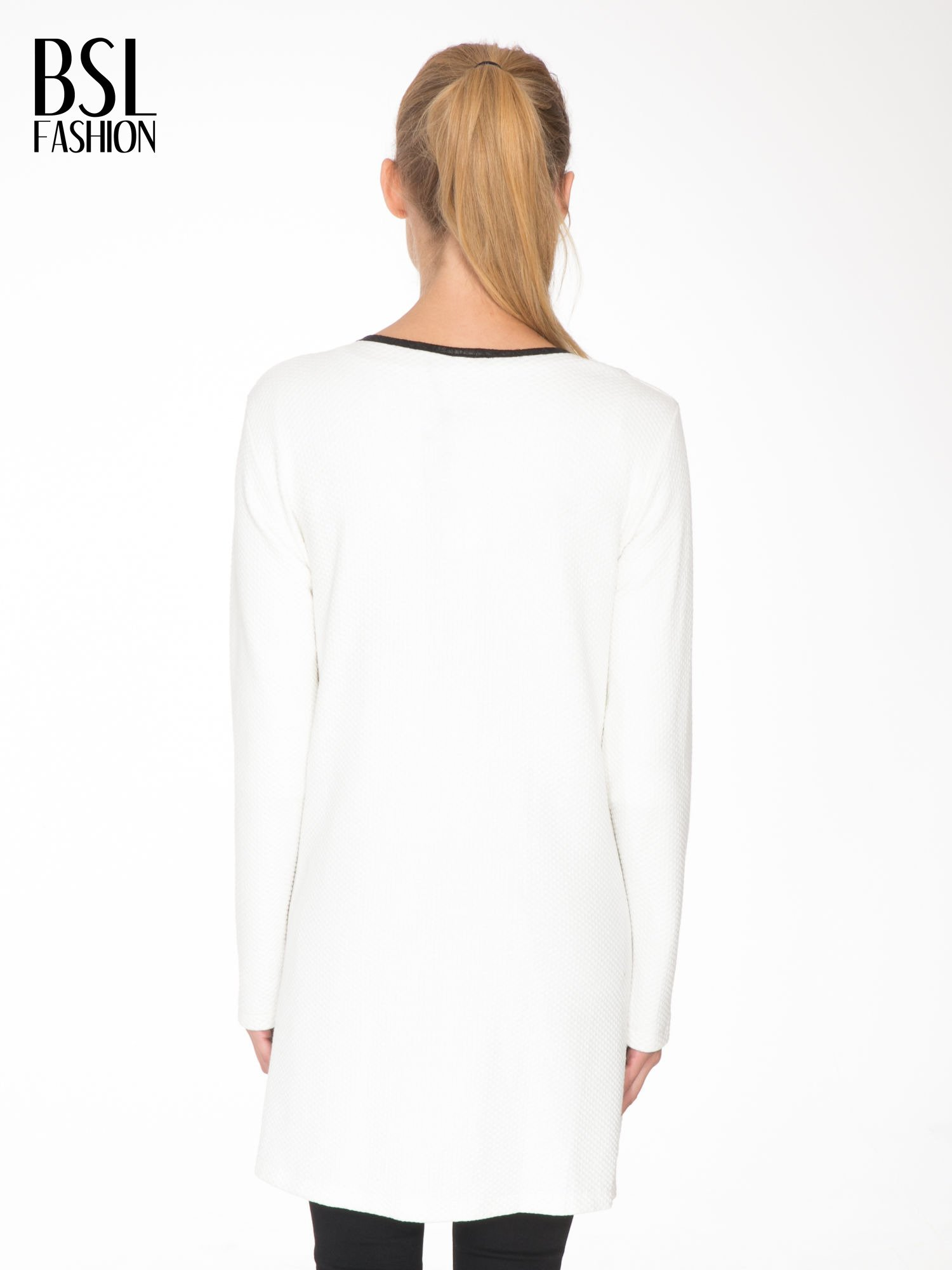 Biały wełniany długi żakiet o pudełkowym kroju ze skórzaną lamówką                                  zdj.                                  4