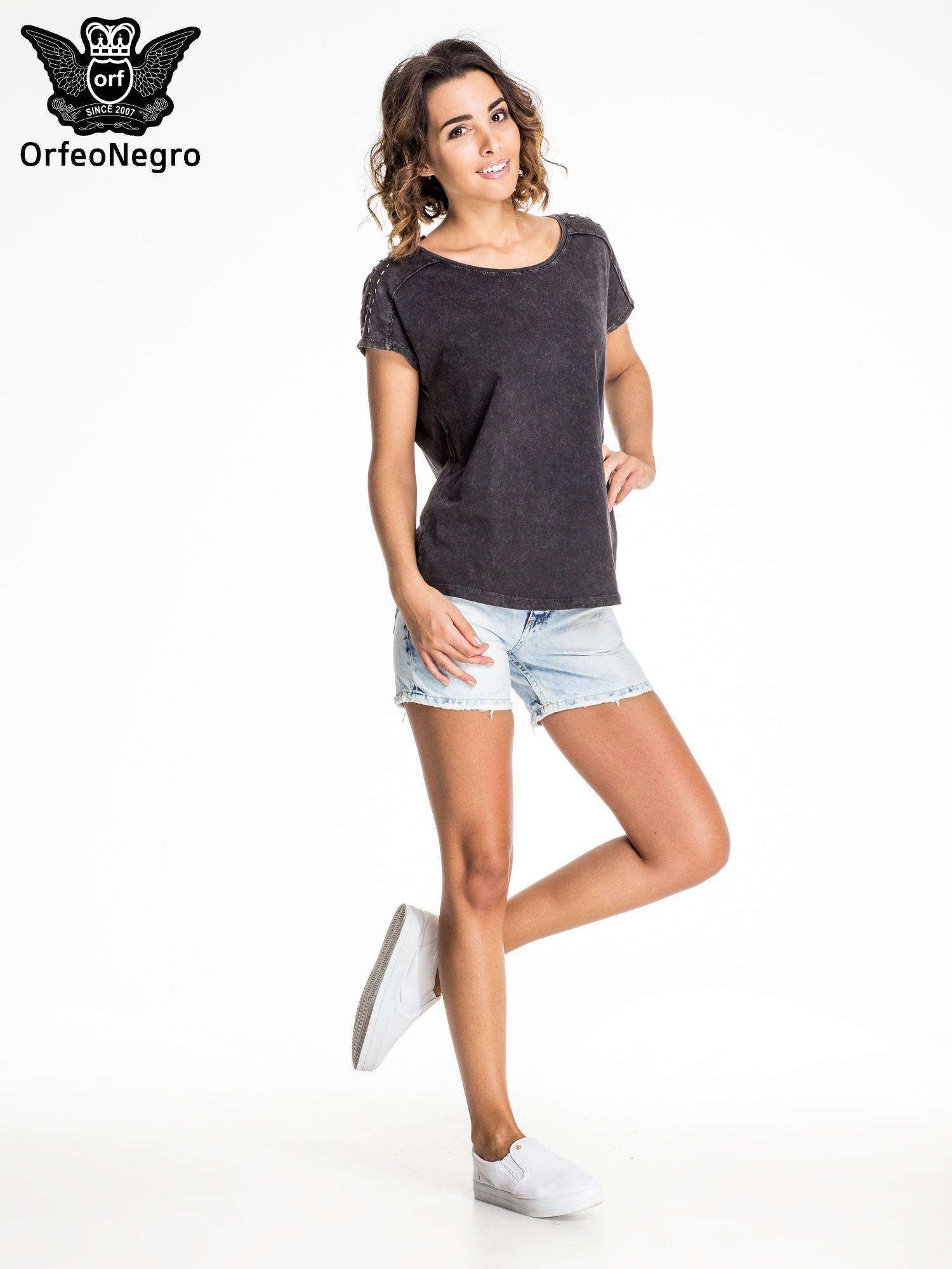 Błękitne jeansowe szorty z dżetami                                  zdj.                                  6