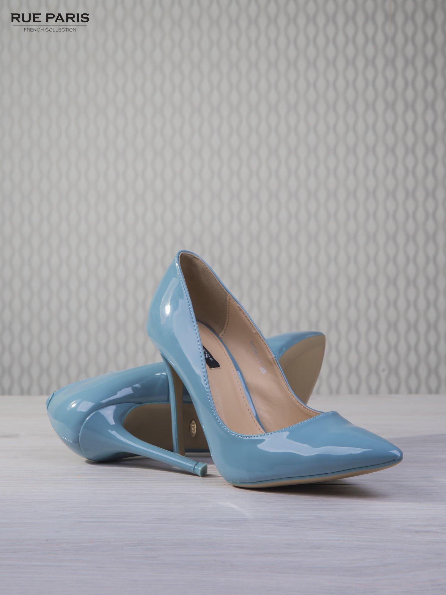 Błękitne lakierowane szpilki Jennifer w szpic                                  zdj.                                  4