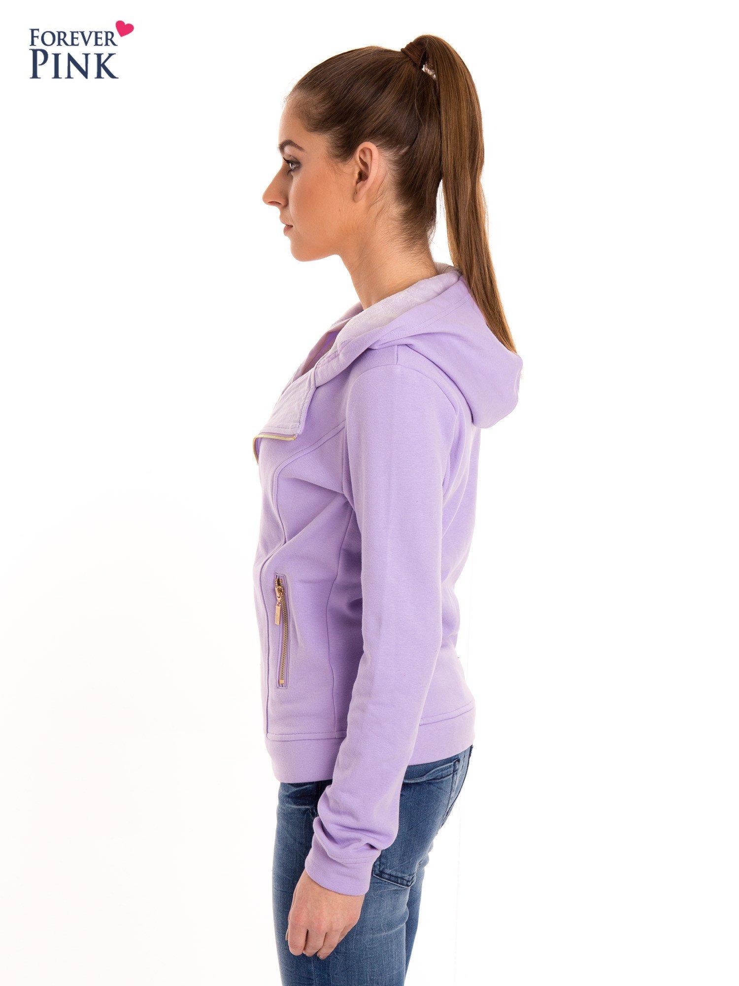 Bluza typu ramoneska w kolorze lila                                  zdj.                                  3