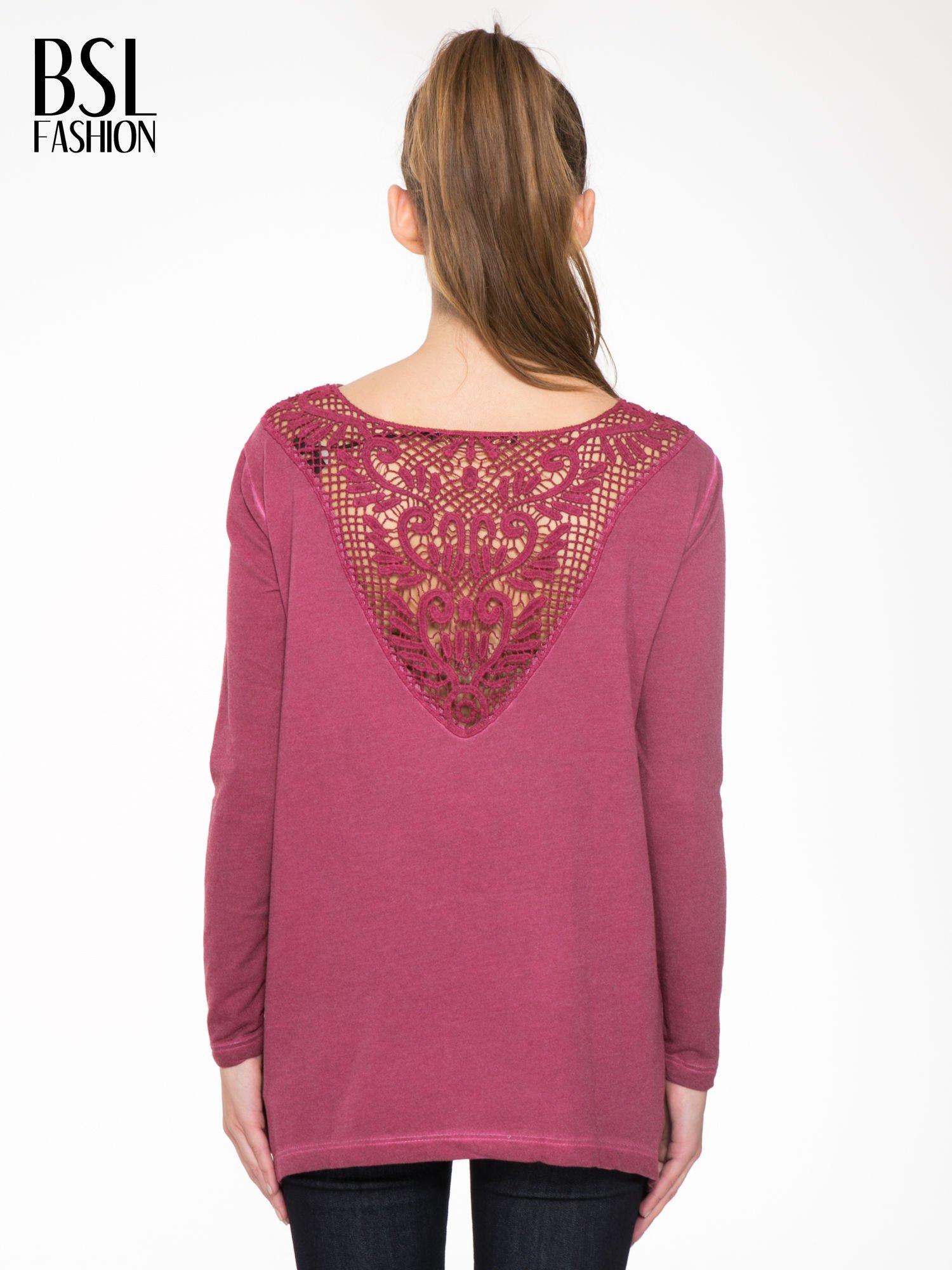 Bordowa bluza z koronkową wstawką na plecach                                  zdj.                                  4