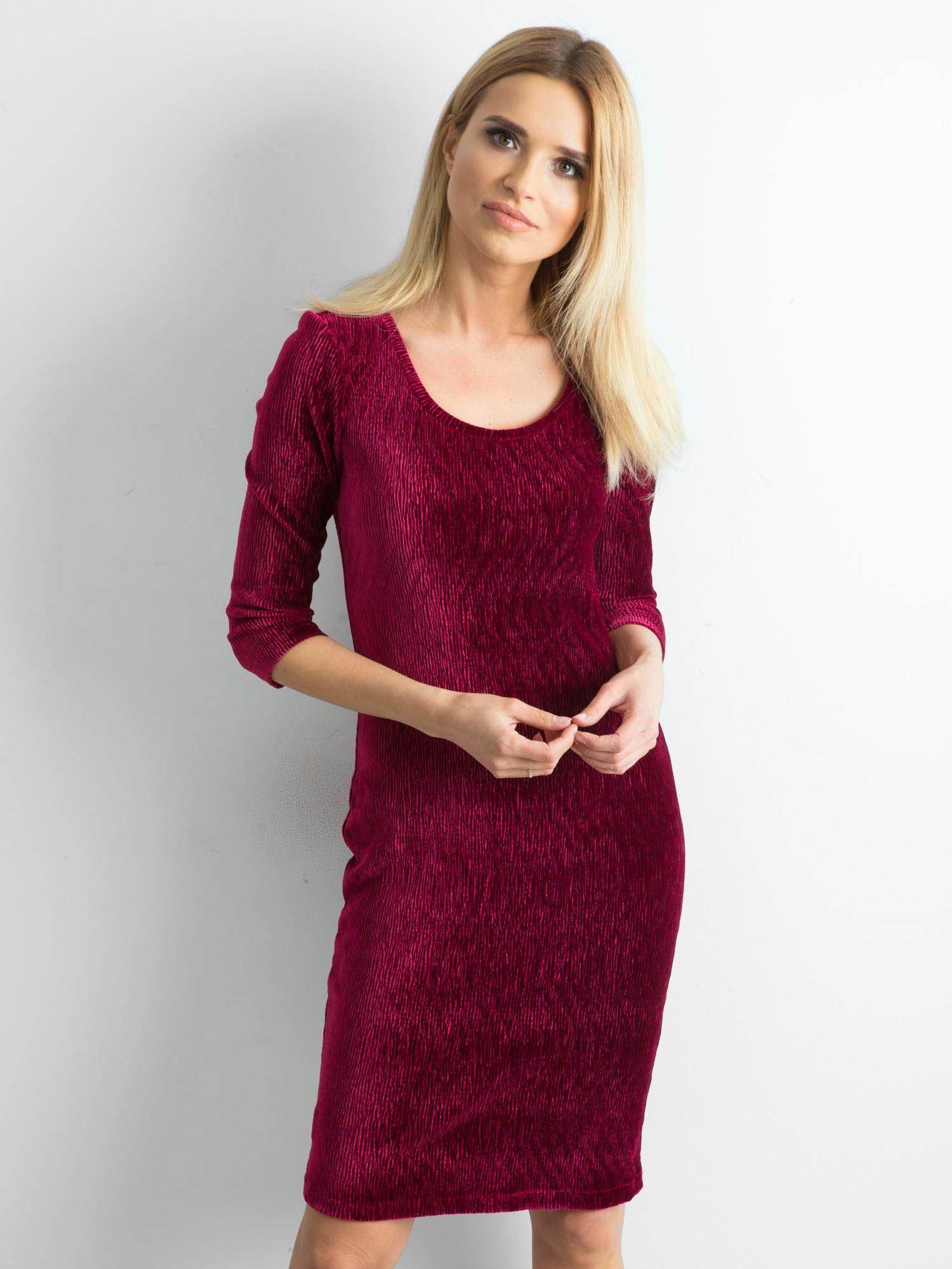 bfb89a3faa845a Bordowa dopasowana welurowa sukienka - Sukienka dopasowana - sklep ...