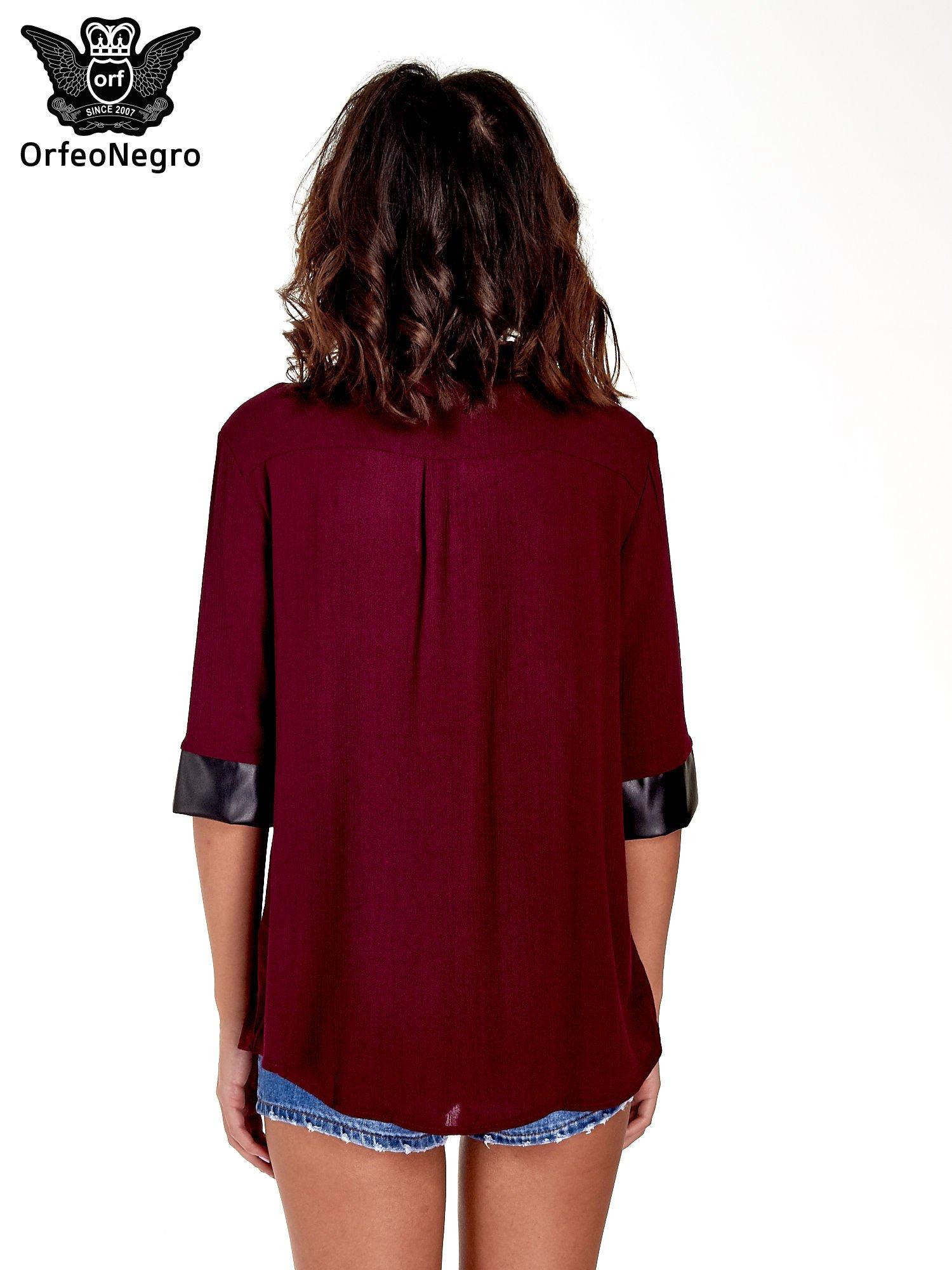 Bordowa koszula ze skórzanymi mankietami                                  zdj.                                  4