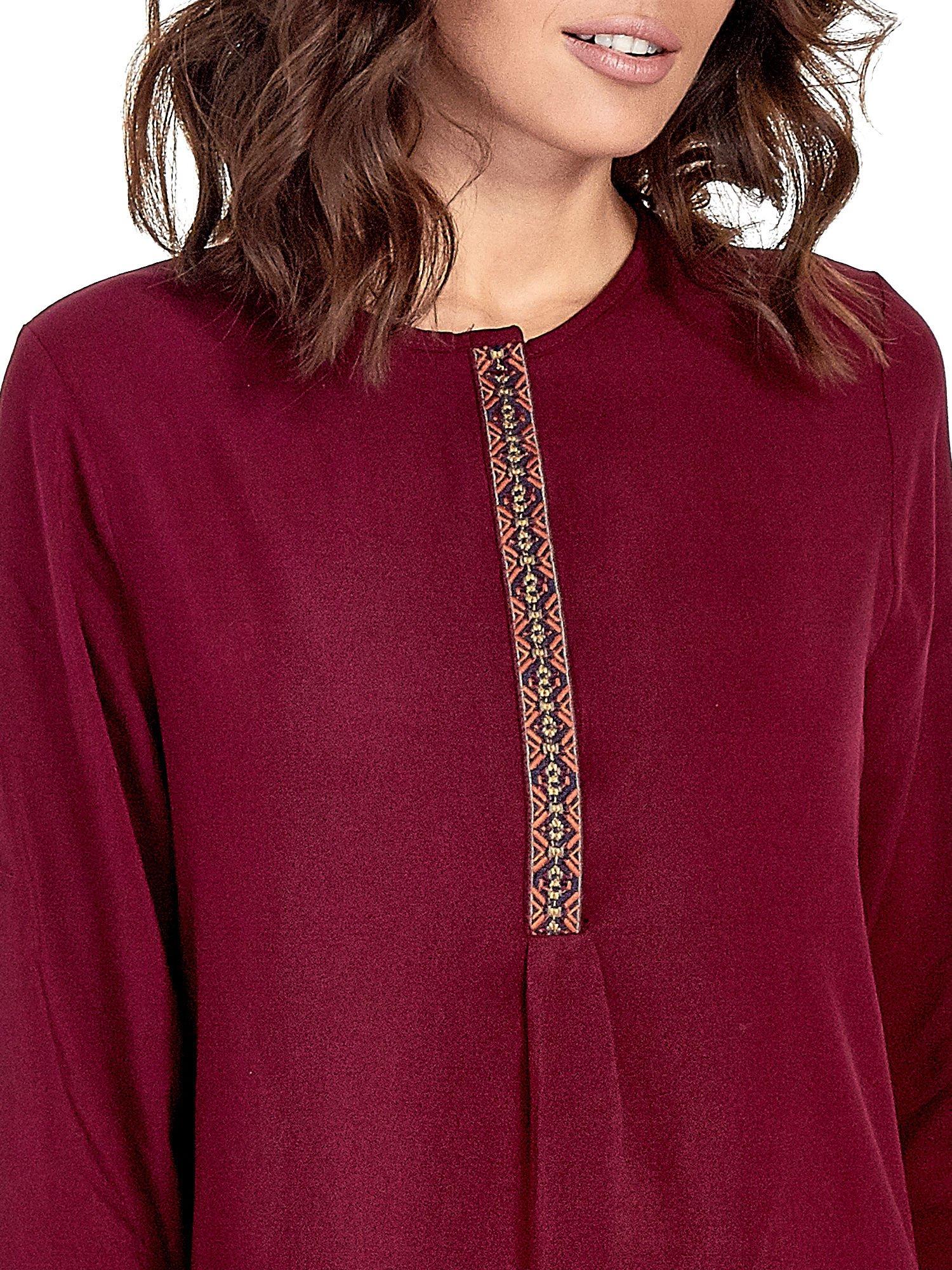 Bordowa koszula ze wzorzystą wstawką w stylu etno                                  zdj.                                  6