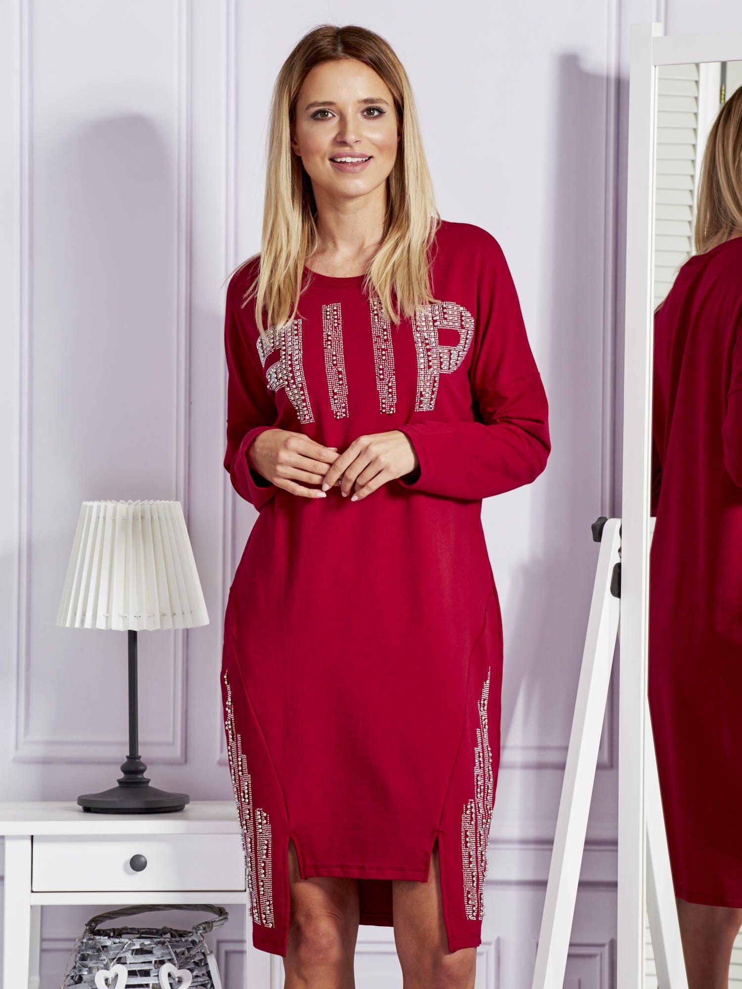 e99c875153 Bordowa sukienka z perełkami i dżetami - Sukienka na co dzień ...