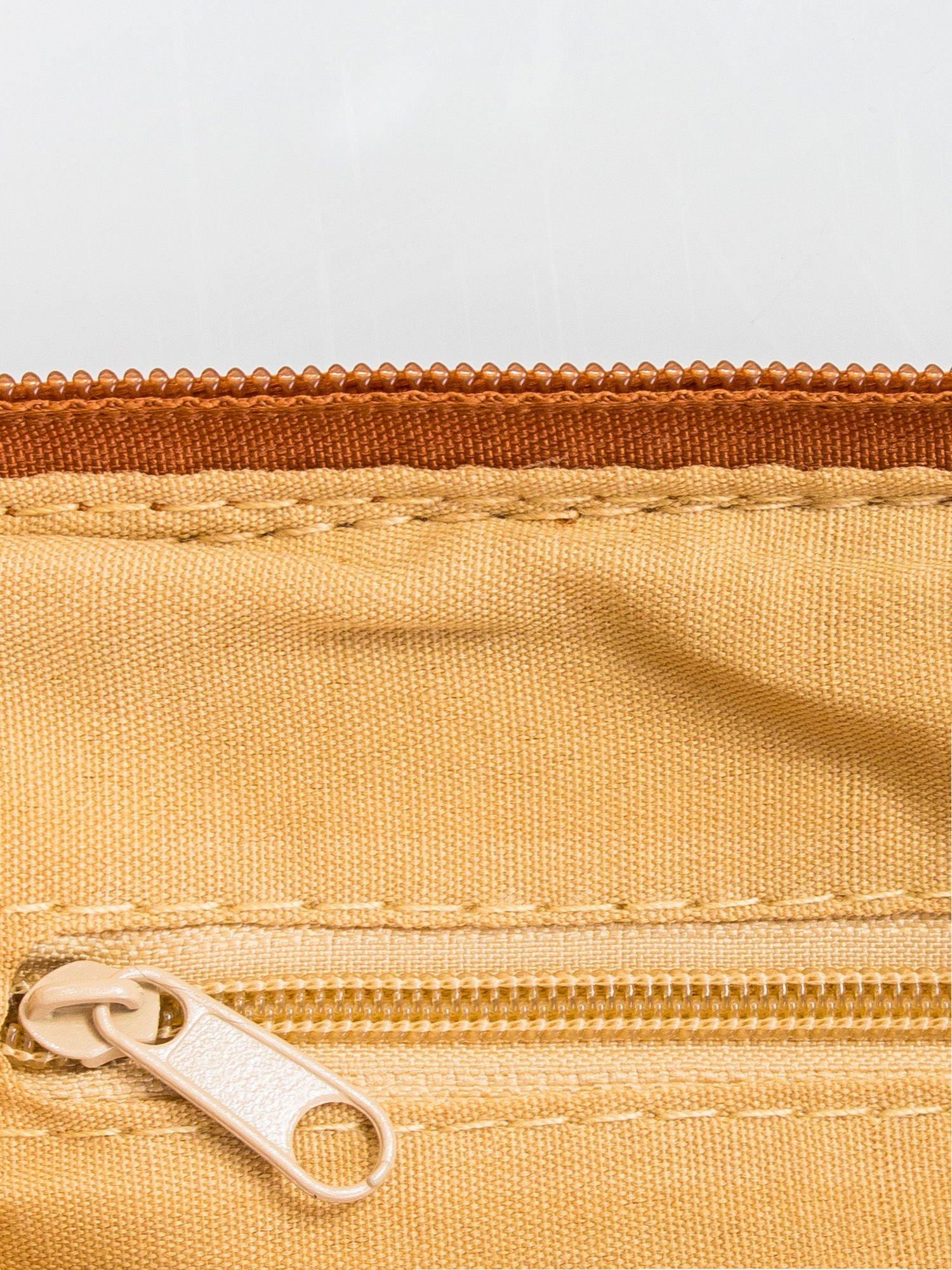 Brązowa kopertówka z dżetami motyw wąsów                                  zdj.                                  6