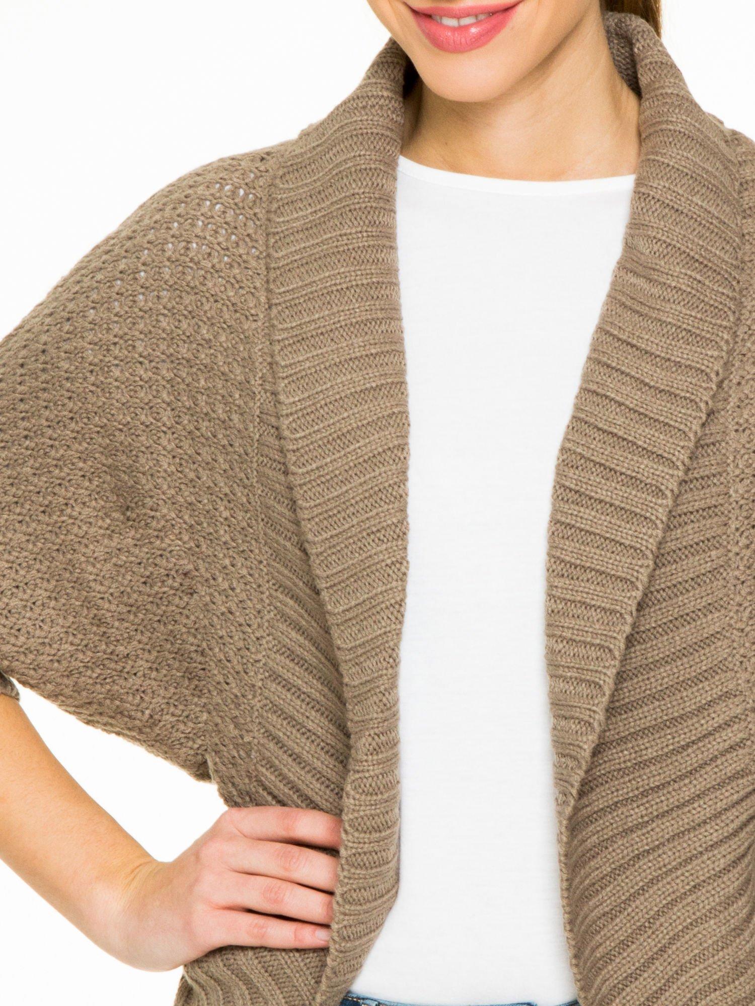 Brązowy sweter narzutka z rękawem 3/4                                  zdj.                                  6