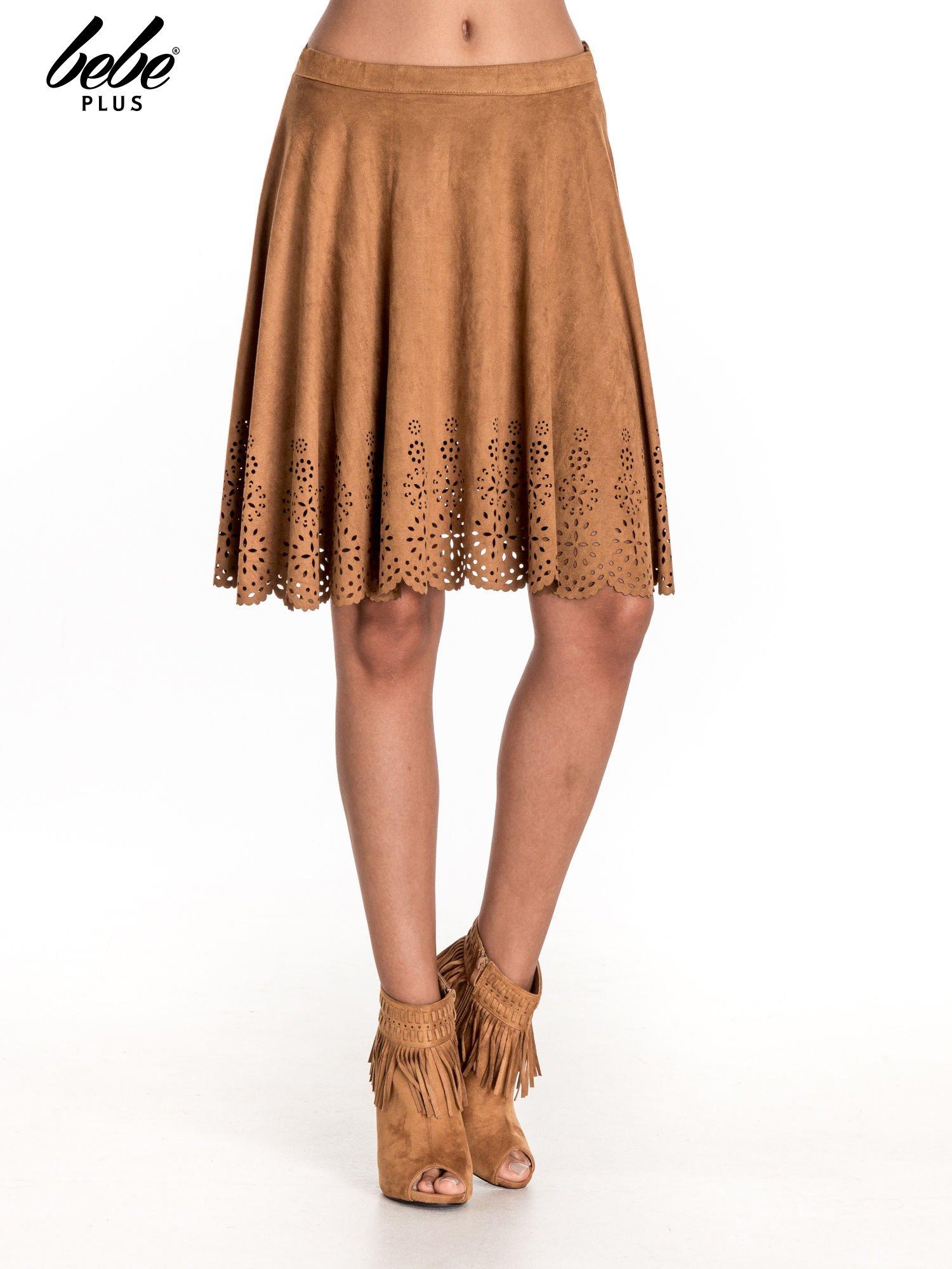 Camelowa zamszowa spódnica w stylu boho                                  zdj.                                  1