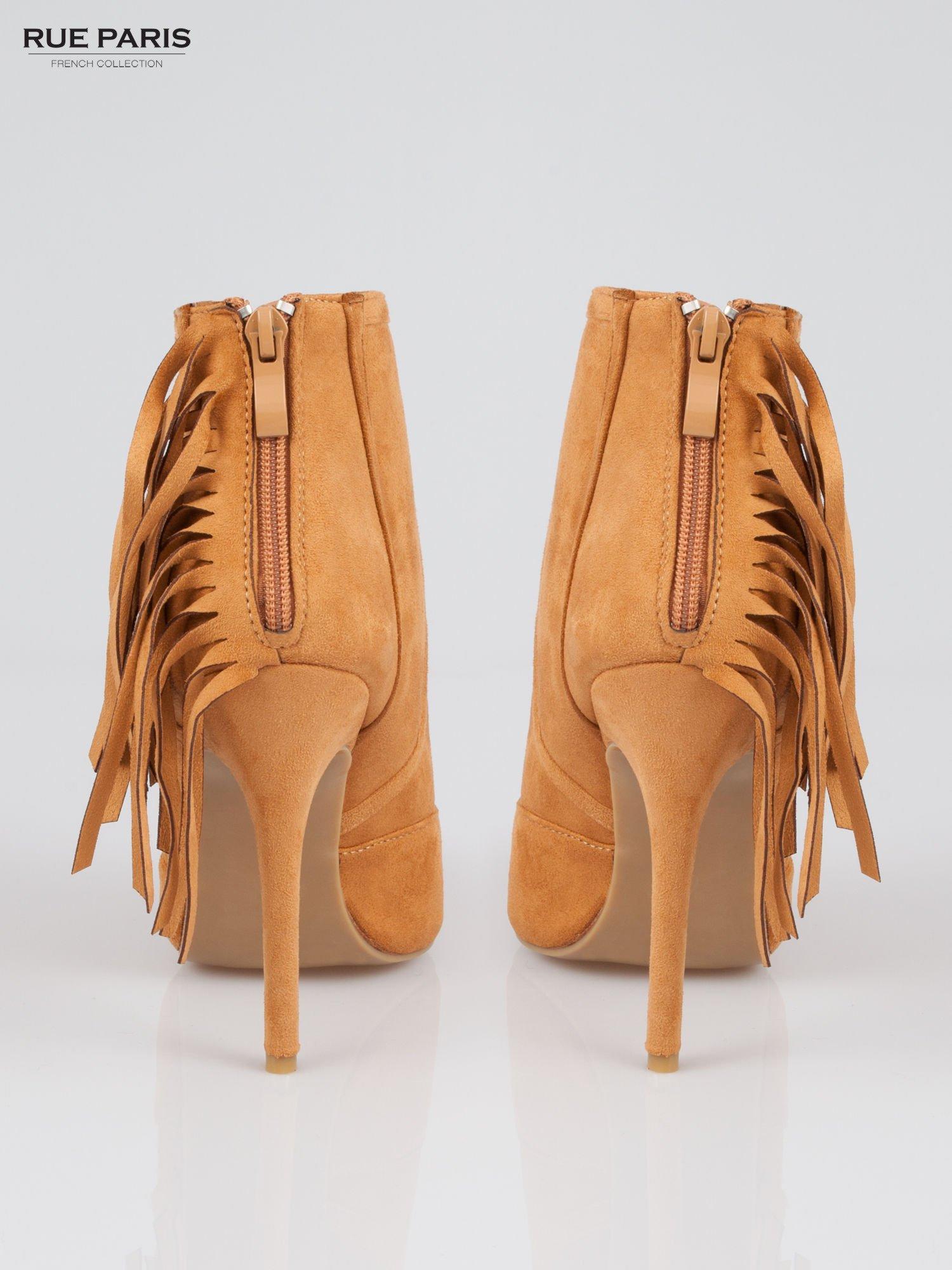 Camelowe ażurowe botki faux suede Florence z frędzlami                                  zdj.                                  4