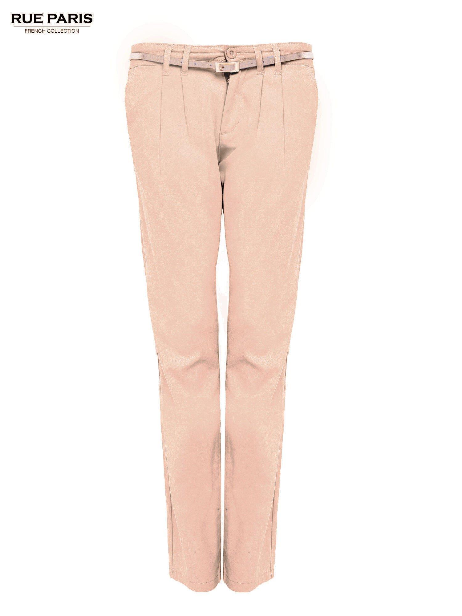 Ciemnobeżowe spodnie z paskiem z lakierowanej skóry                                  zdj.                                  2
