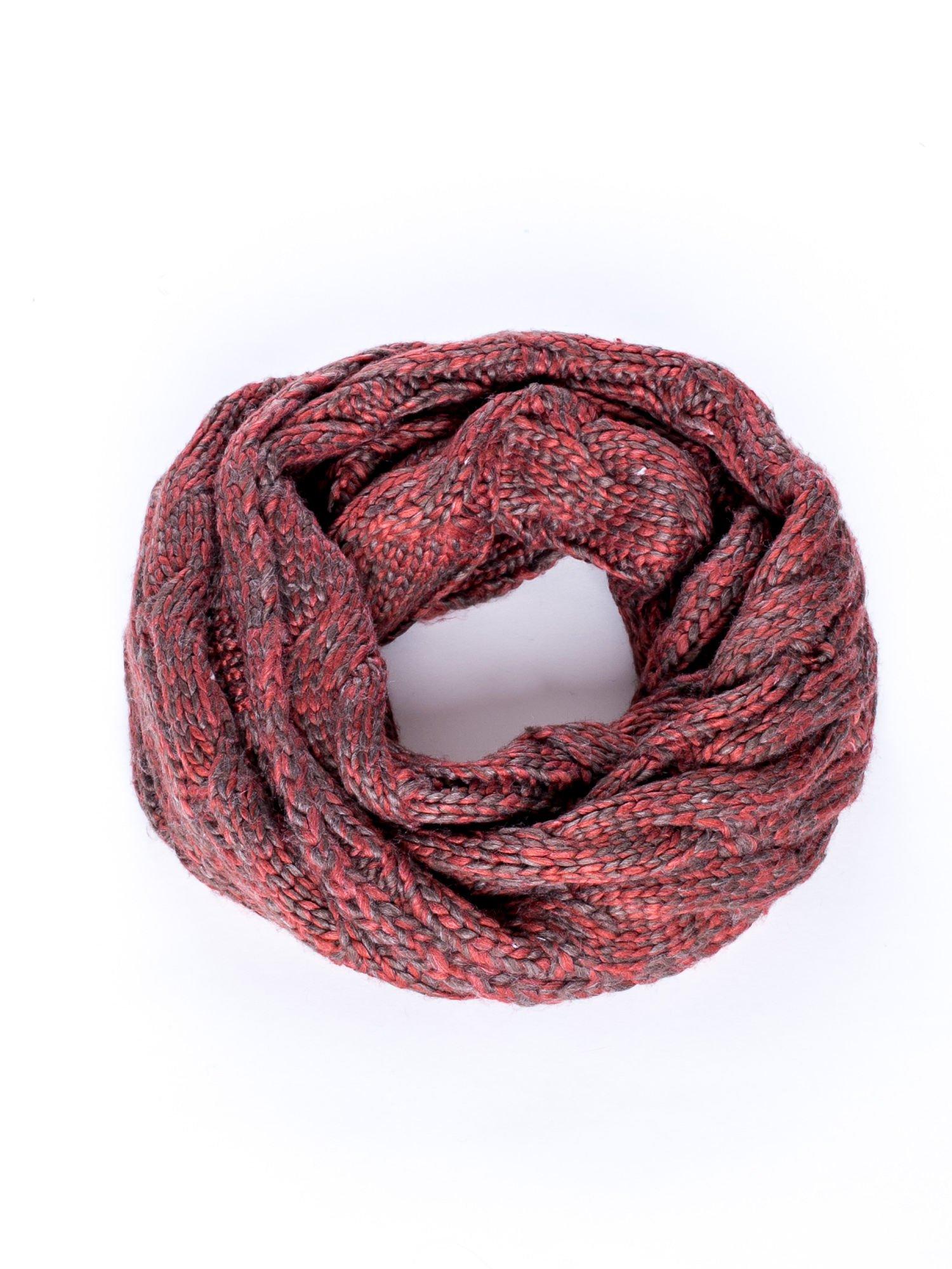 Ciemnoczerwony melanżowy szalik z warkoczowym splotem                                  zdj.                                  2