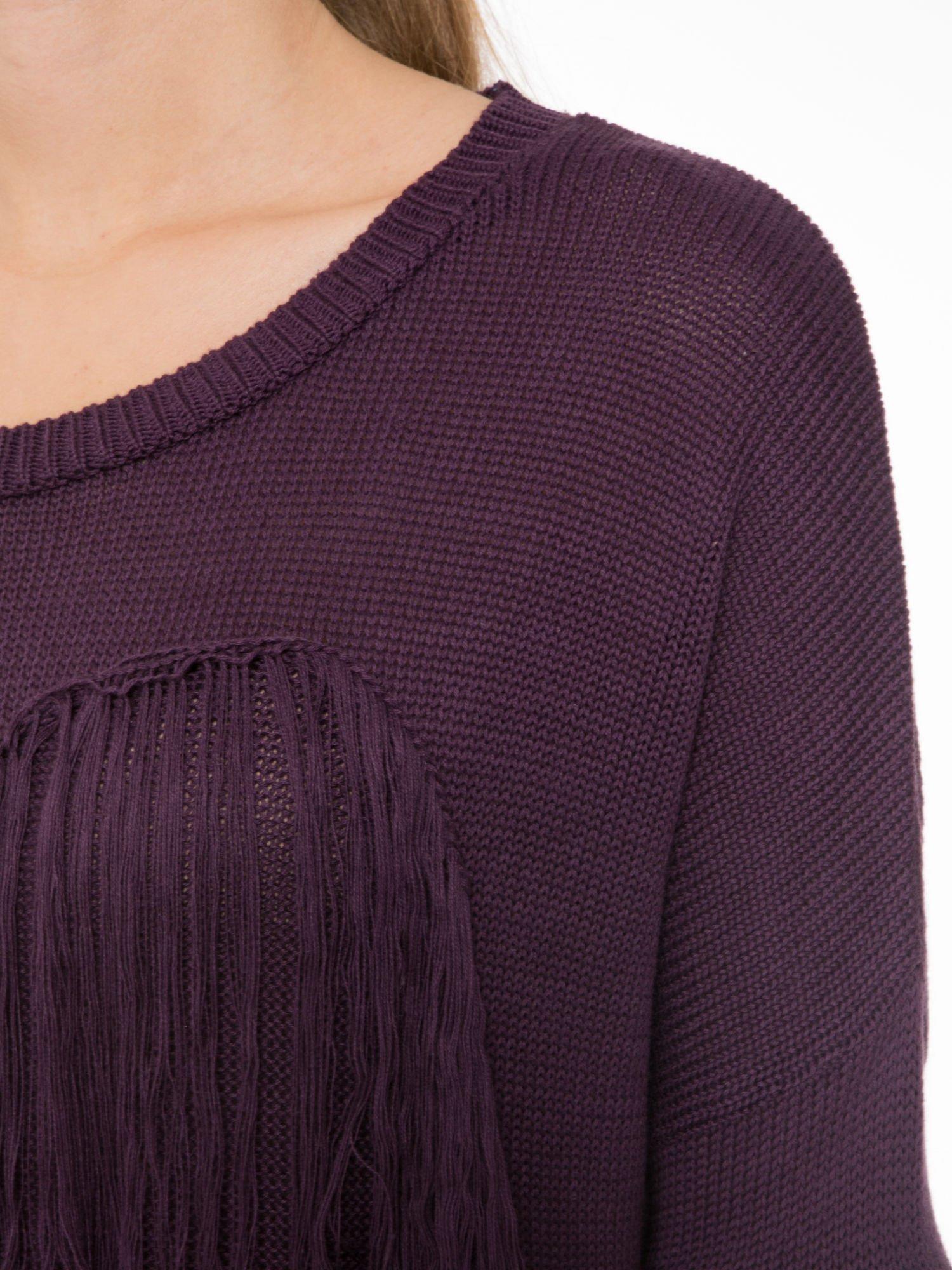 Ciemnofioletowy sweter z sercem obszytym frędzlami                                  zdj.                                  5