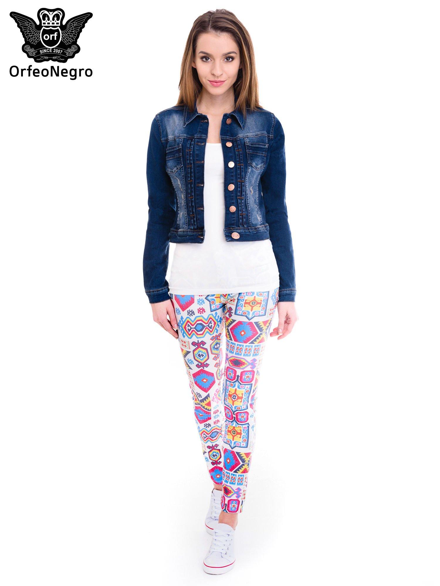 Ciemnoniebieska kurtka jeansowa damska z cieniowaniem i przetarciami                                  zdj.                                  2