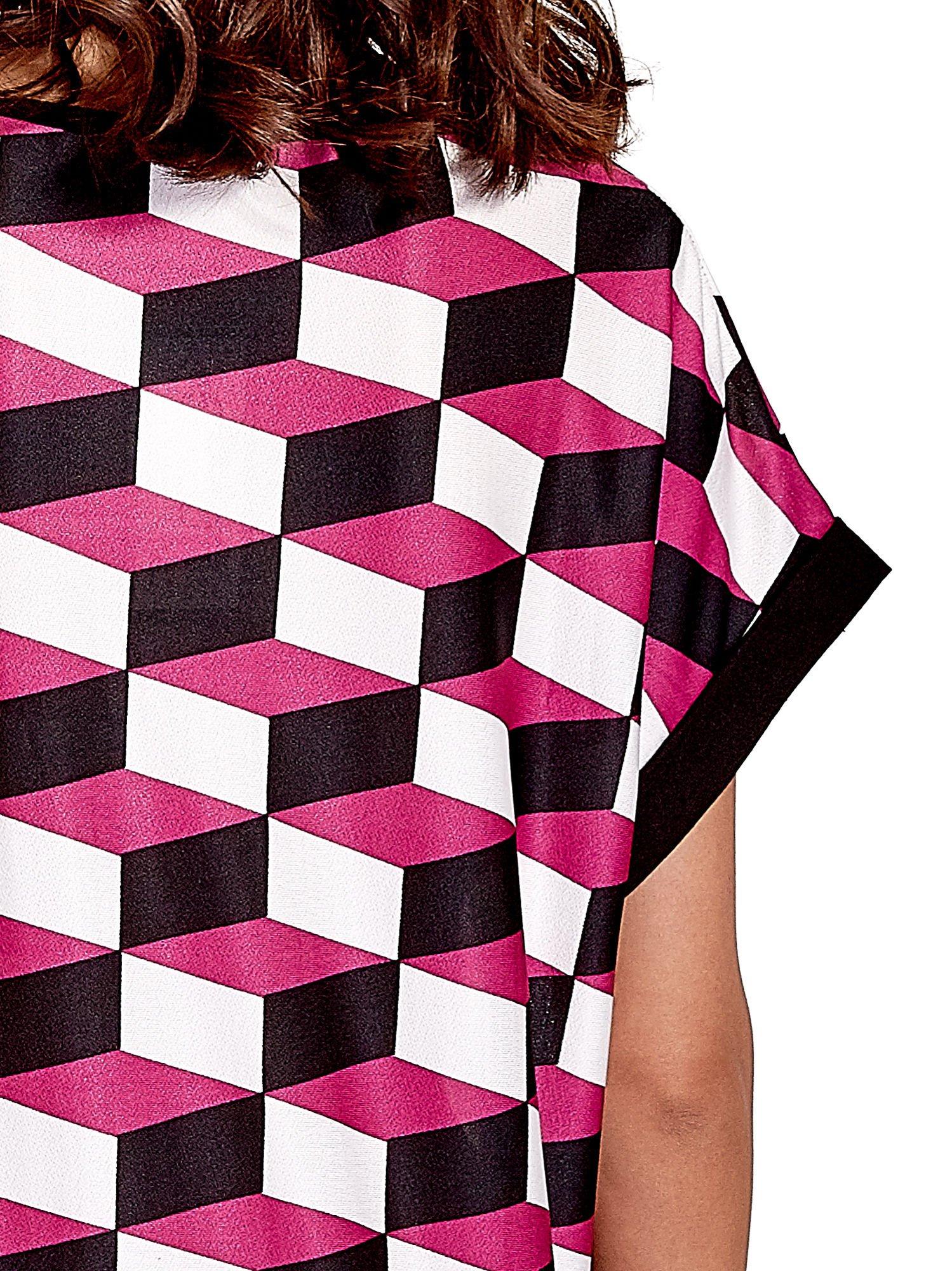 Ciemnoróżowa tunika w przestrzenne geometryczne wzory                                  zdj.                                  5