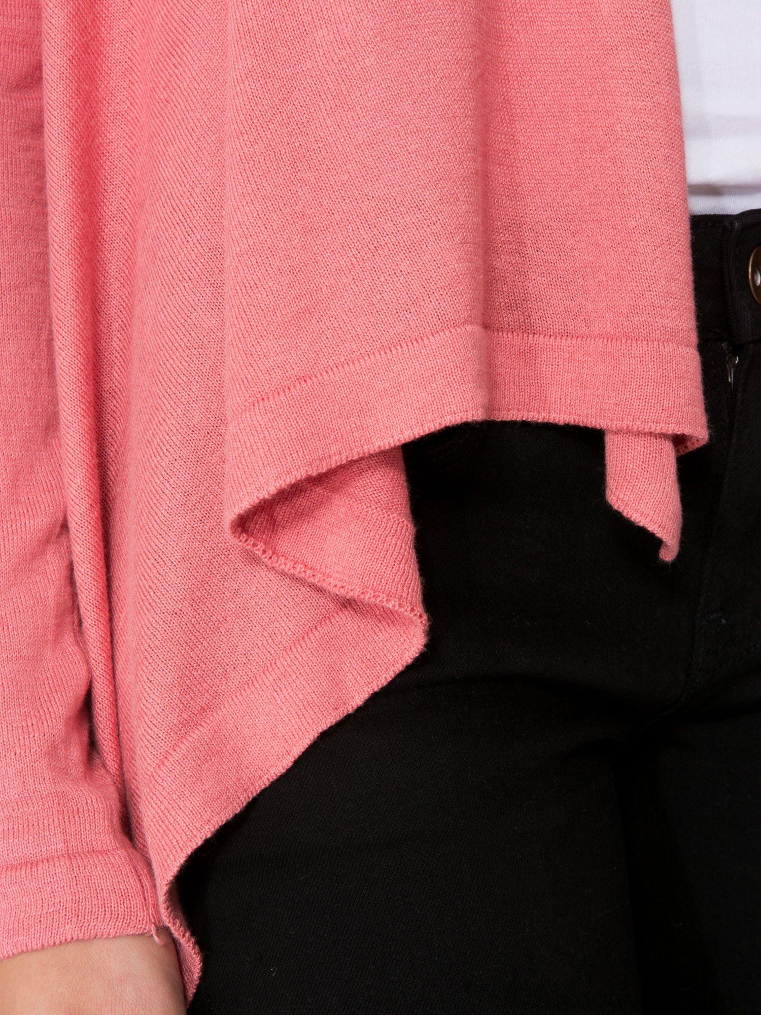 Ciemnoróżowy otwarty sweter z kaskadowymi bokami                                  zdj.                                  8