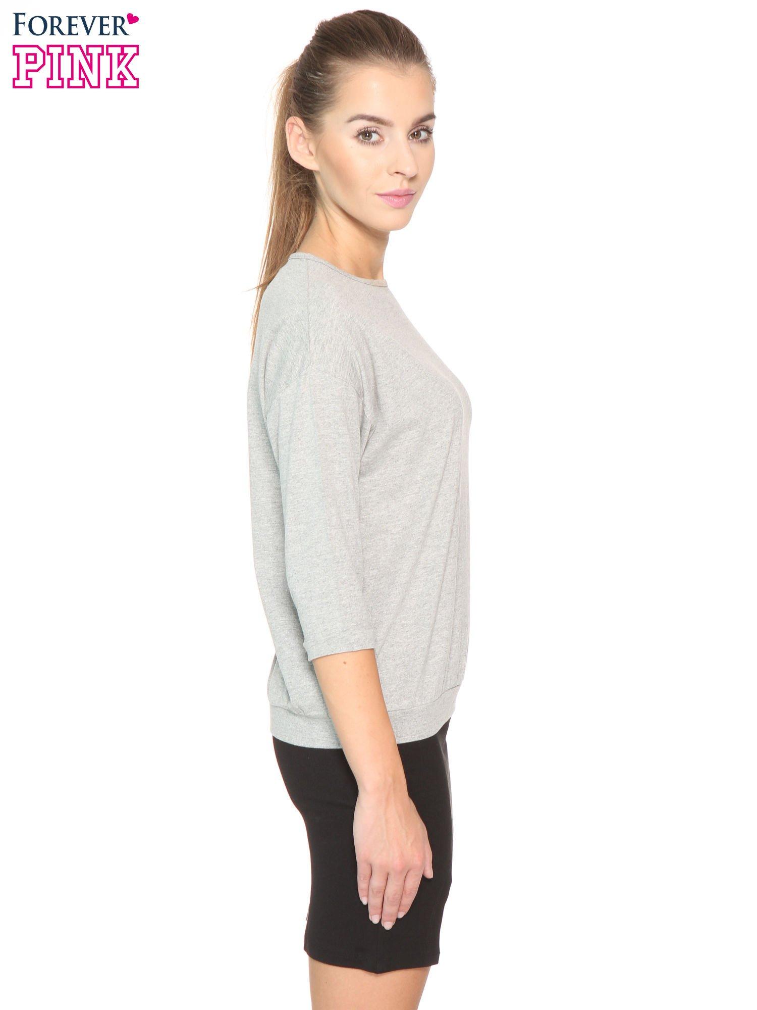 Ciemnoszara bluzka z rękawem 3/4 i lekkim ściągaczem na dole                                  zdj.                                  2
