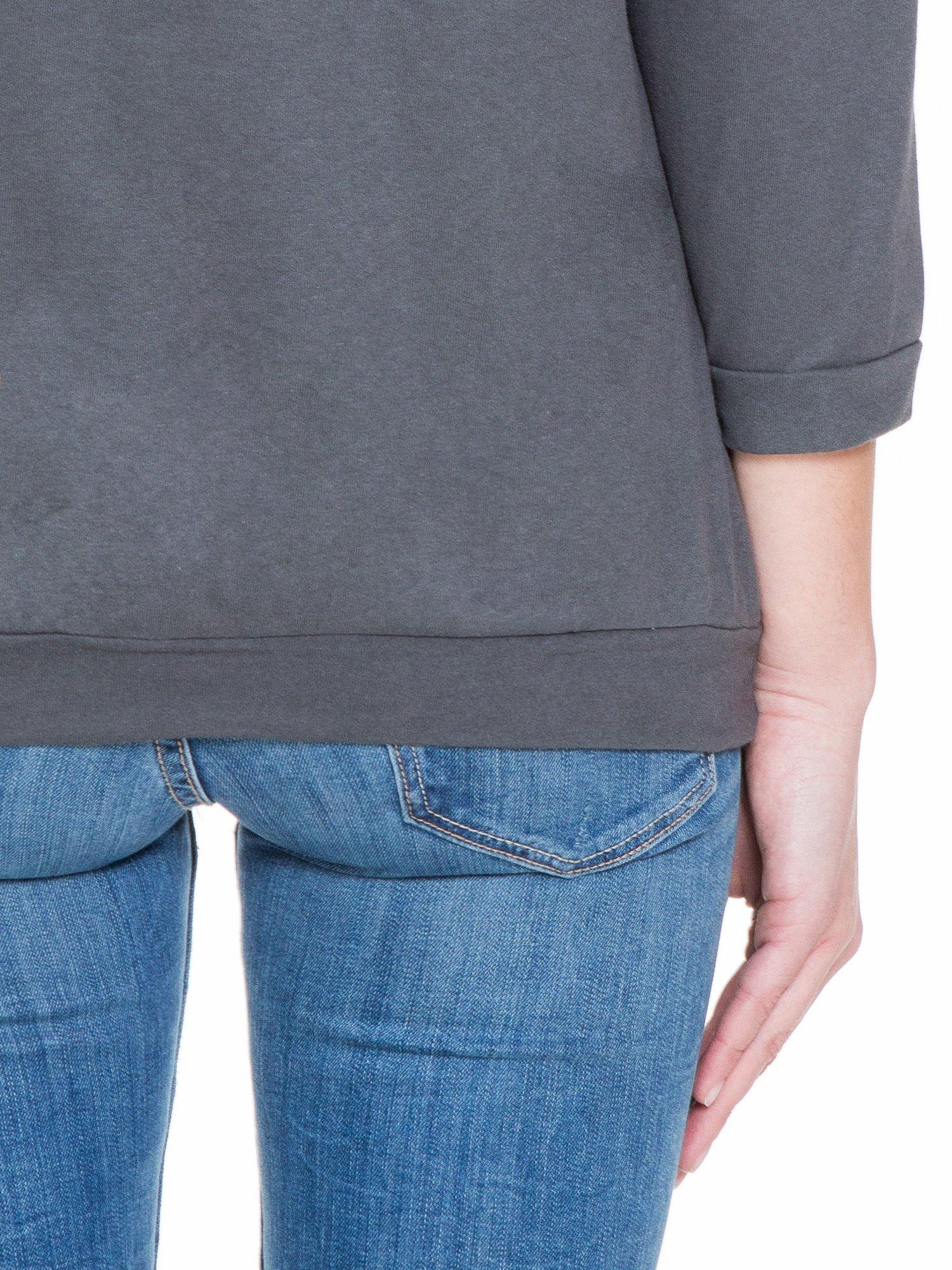 Ciemnoszara gładka bluzka z luźnymi rękawami 3/4                                  zdj.                                  8