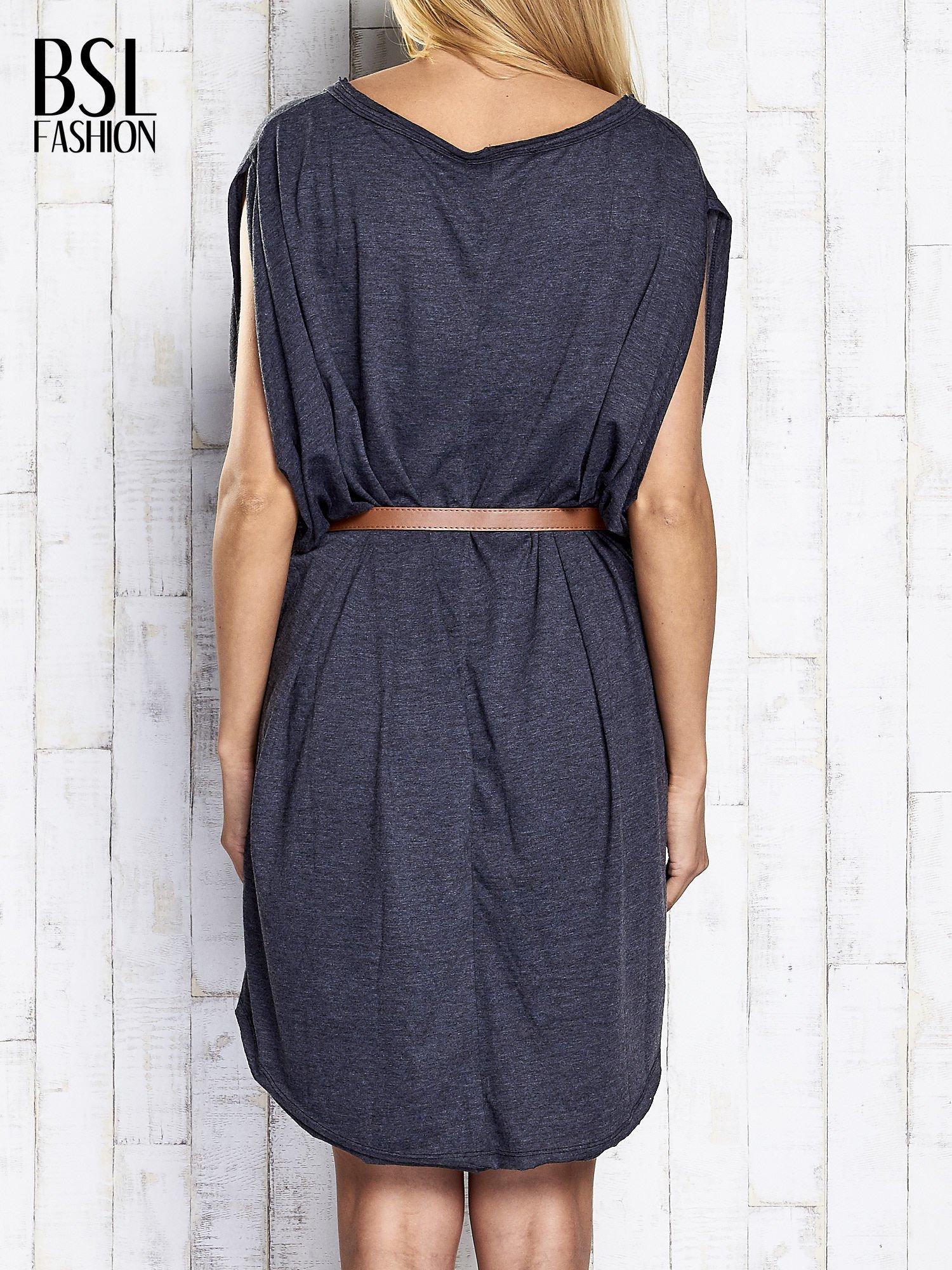 Ciemnoszara melanżowa sukienka oversize z guzikami                                  zdj.                                  5