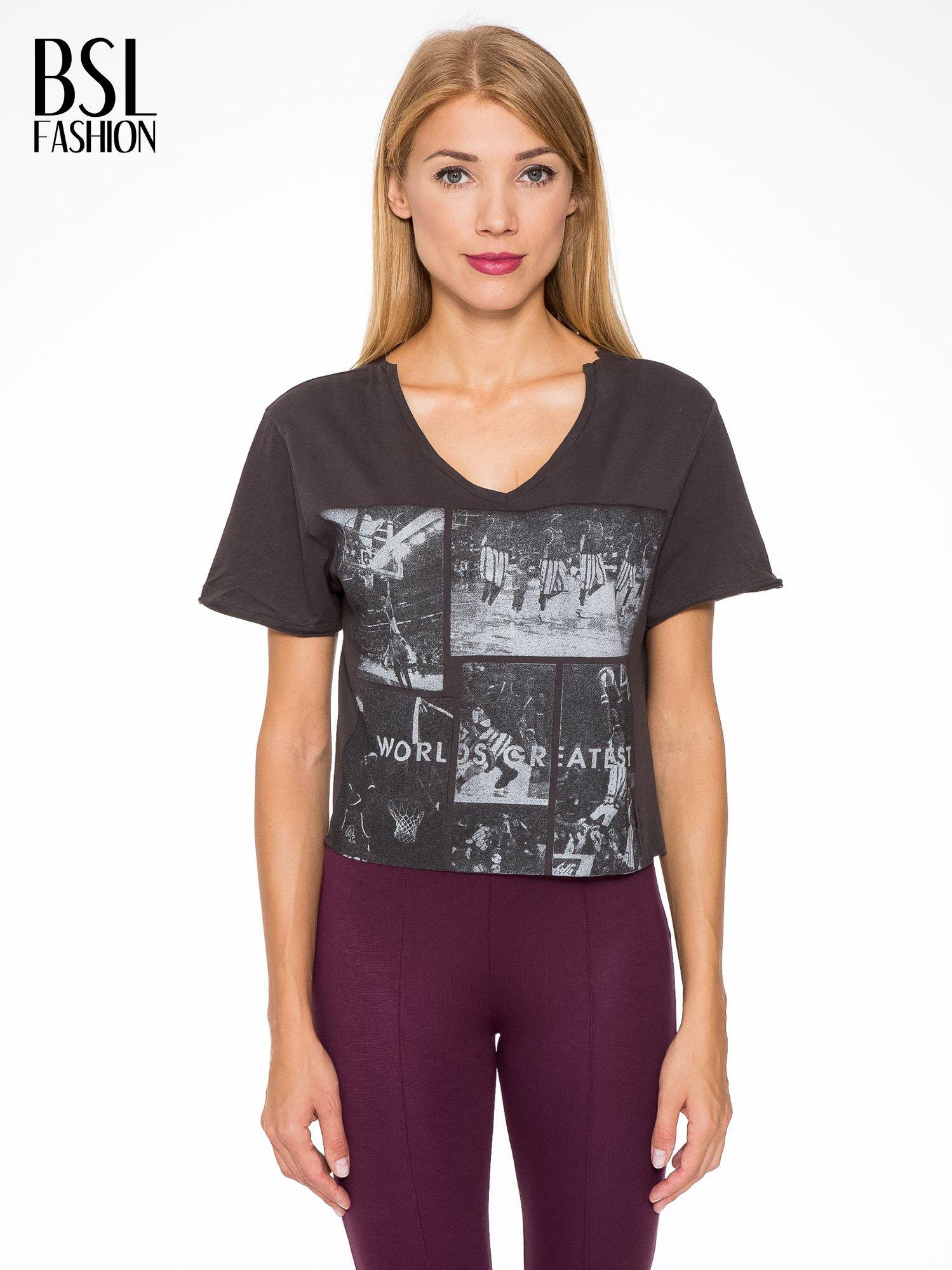 Ciemnoszary t-shirt cropped z nadrukiem basketball                                  zdj.                                  1
